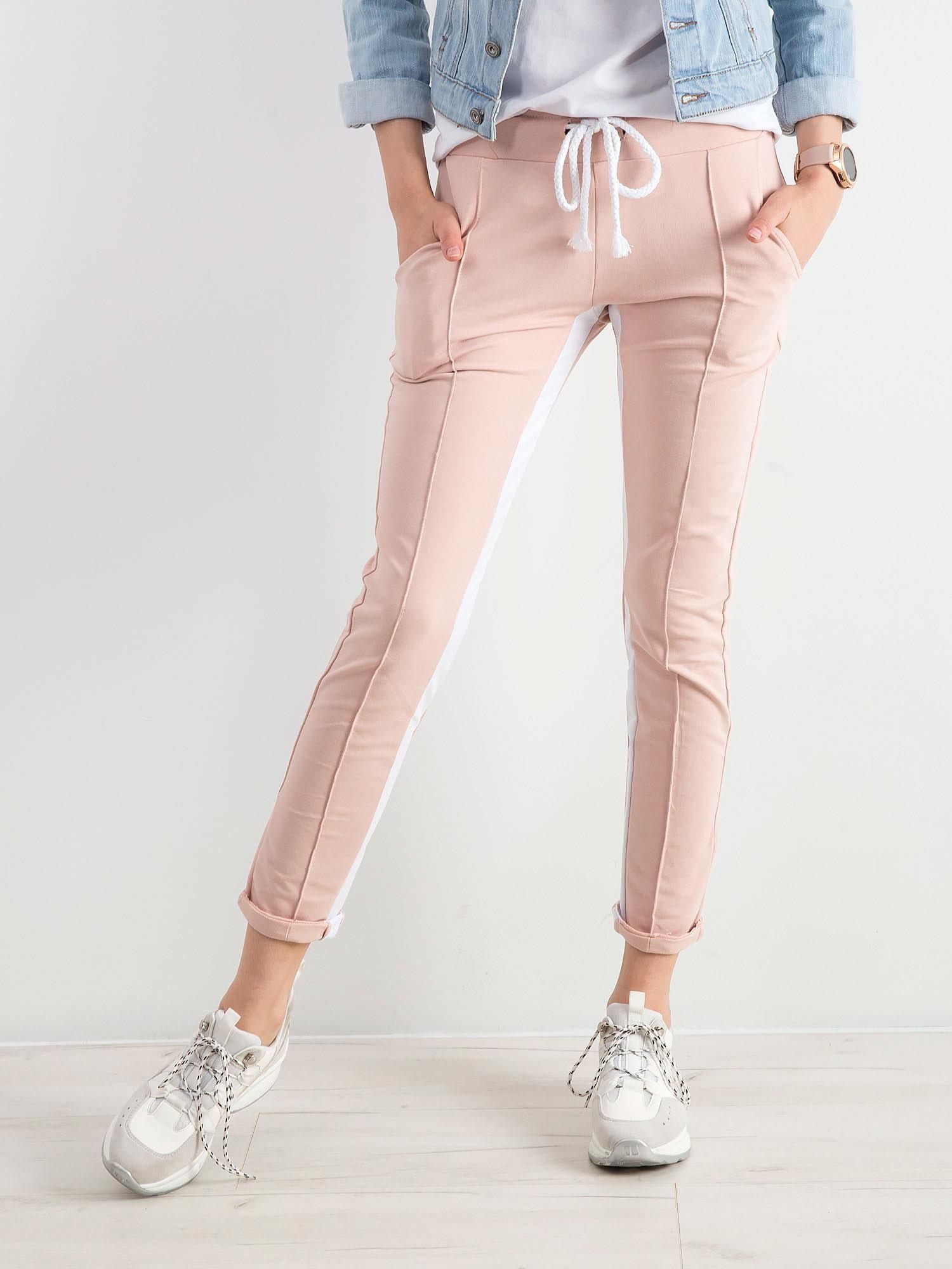 42e76556 Różowe spodnie dresowe Defined