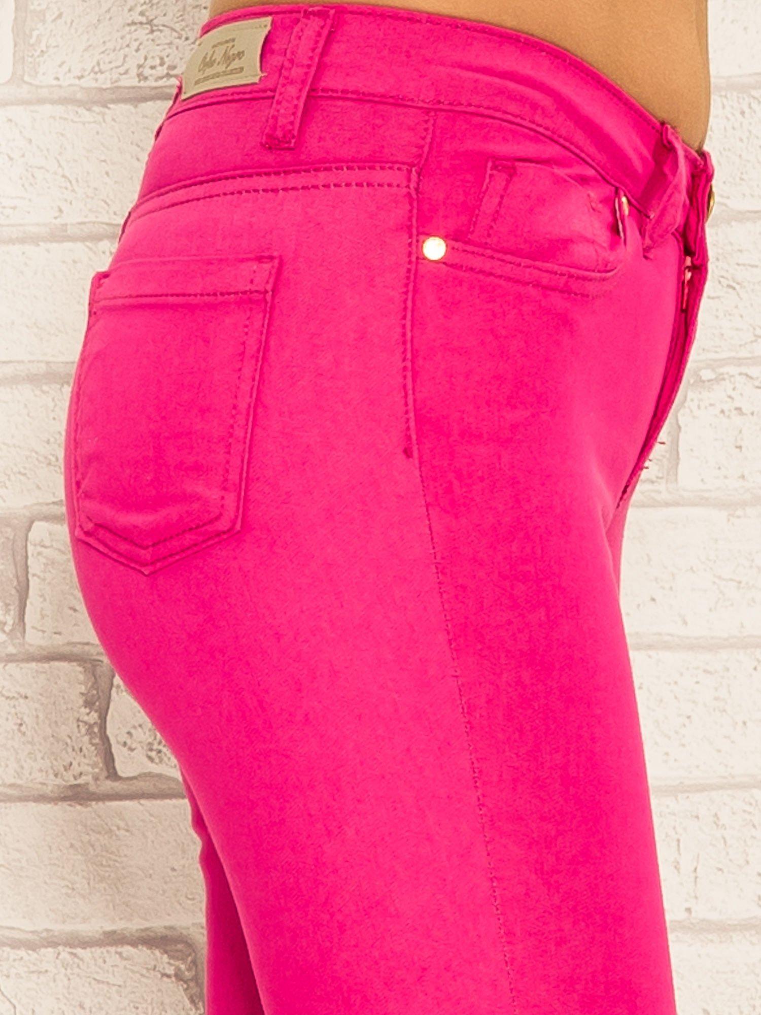 Różowe spodnie rurki skinny z kieszeniami                                  zdj.                                  6