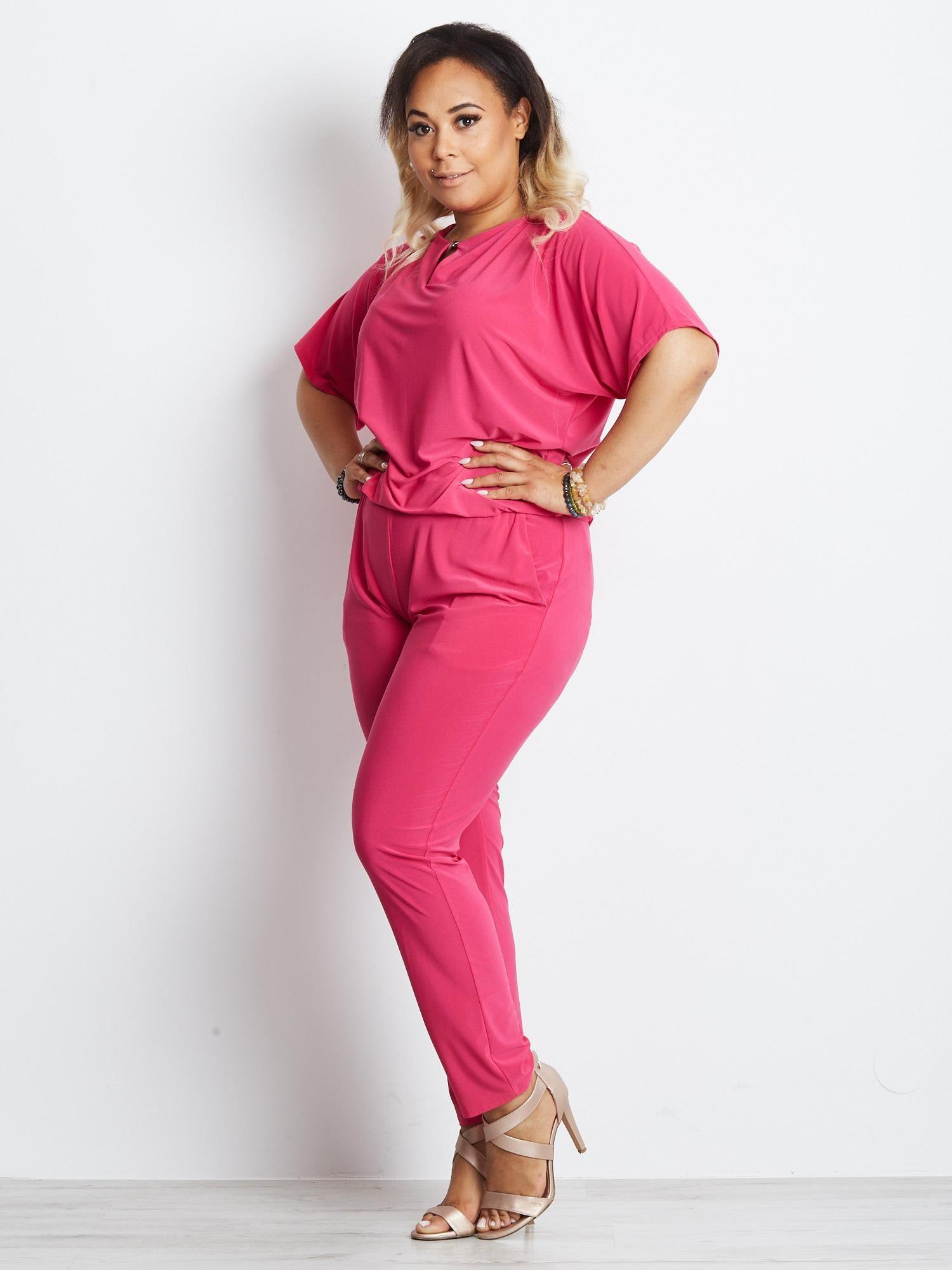 96b3de85e7d927 Różowy kombinezon plus size Appropriately - Spodnie Kombinezony ...