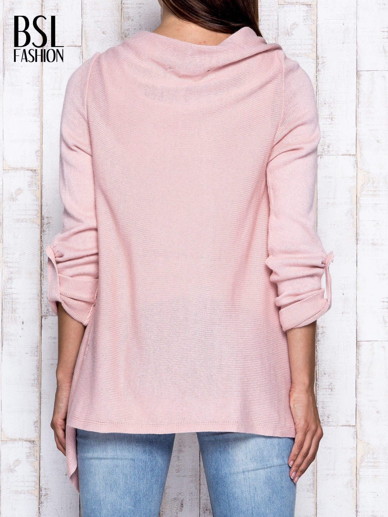 Różowy otwarty sweter z podwijanymi rękawami                                  zdj.                                  5