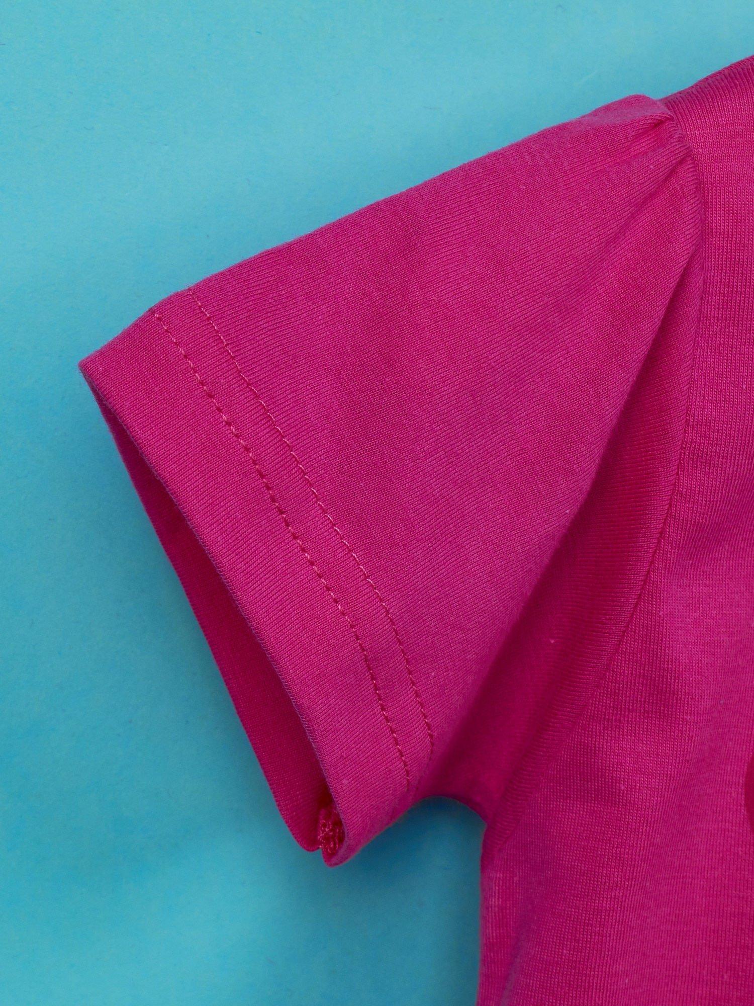 Różowy t-shirt dla dziewczynki z motywem HELLO KITTY                                  zdj.                                  6