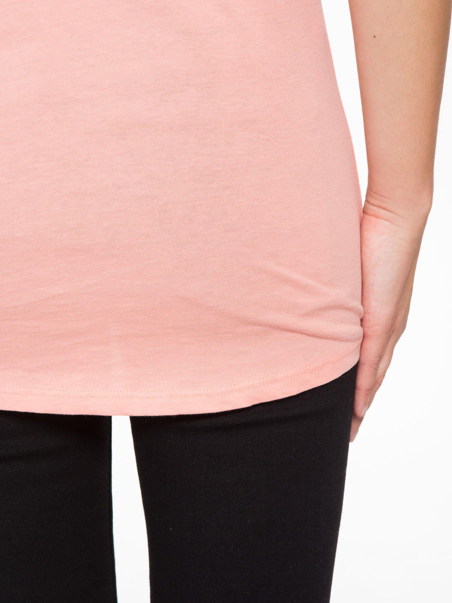 Różowy t-shirt z napisem HEAVEN IS A PLACE ON EARTH WITH YOU                                  zdj.                                  8
