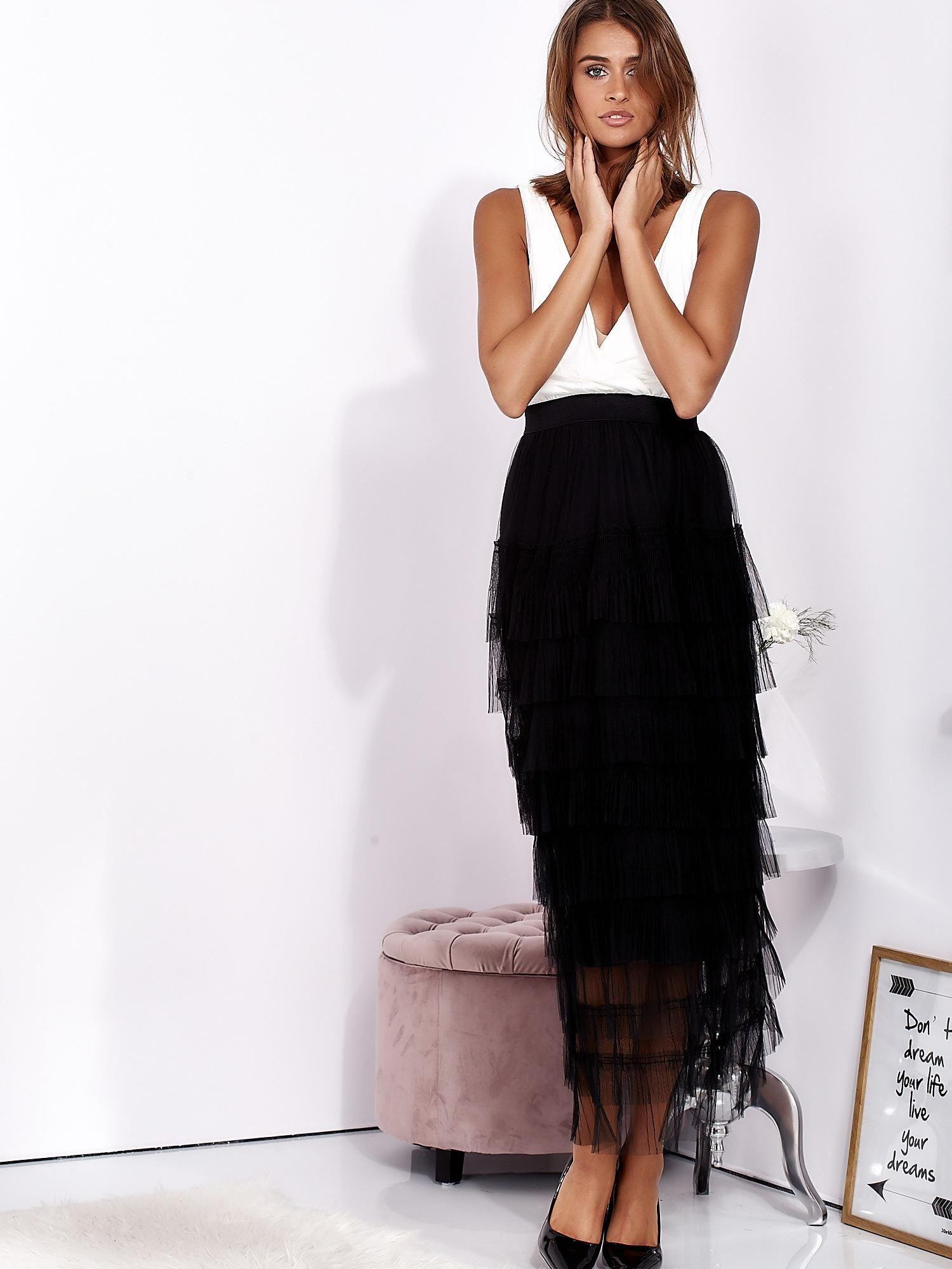 179d55bdd9 Biało-czarna sukienka maxi z plisowanymi falbanami - Sukienka ...