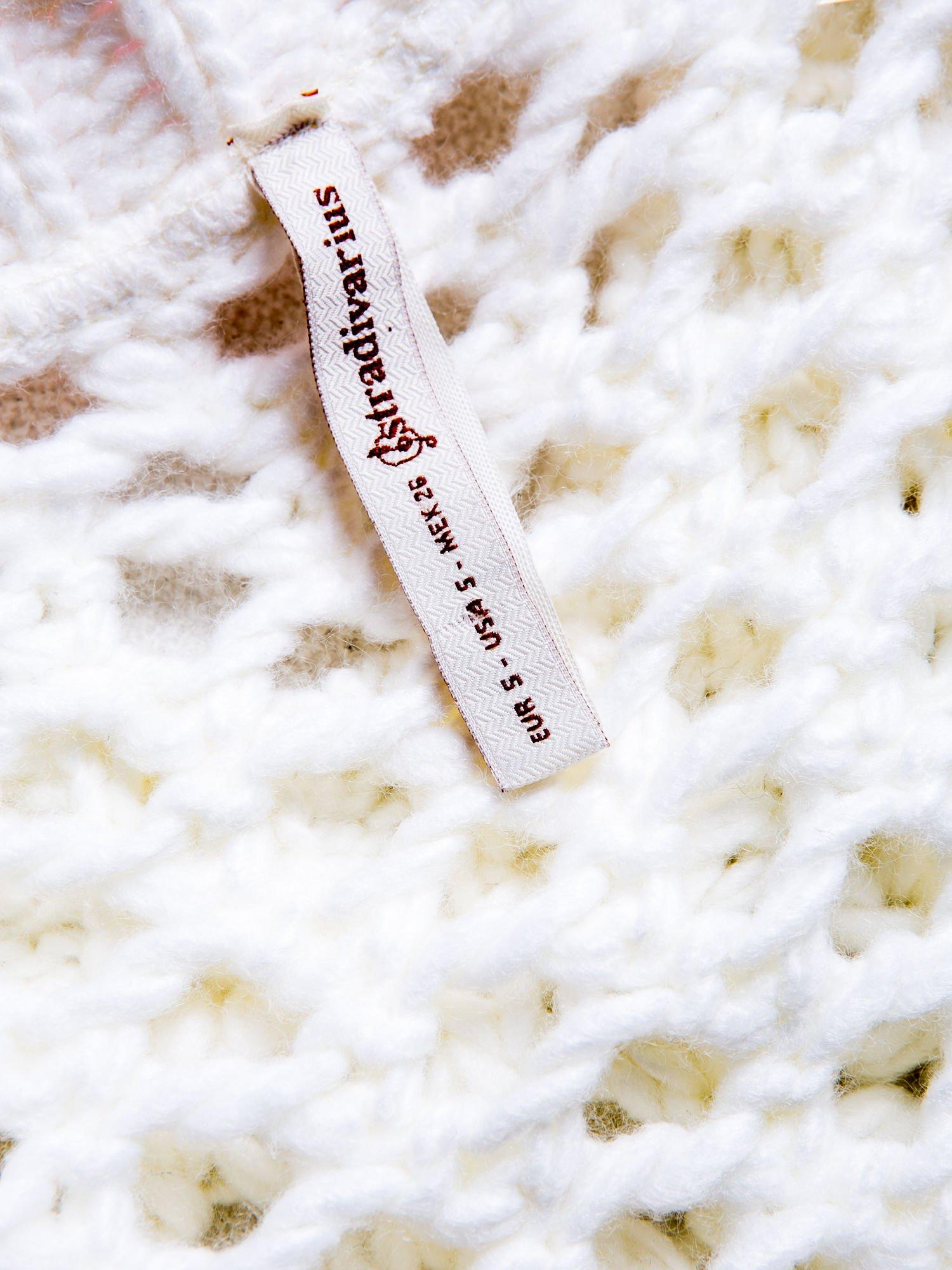 STRADIVARIUS Biały sweter z ozdobnym ściegiem                                  zdj.                                  3