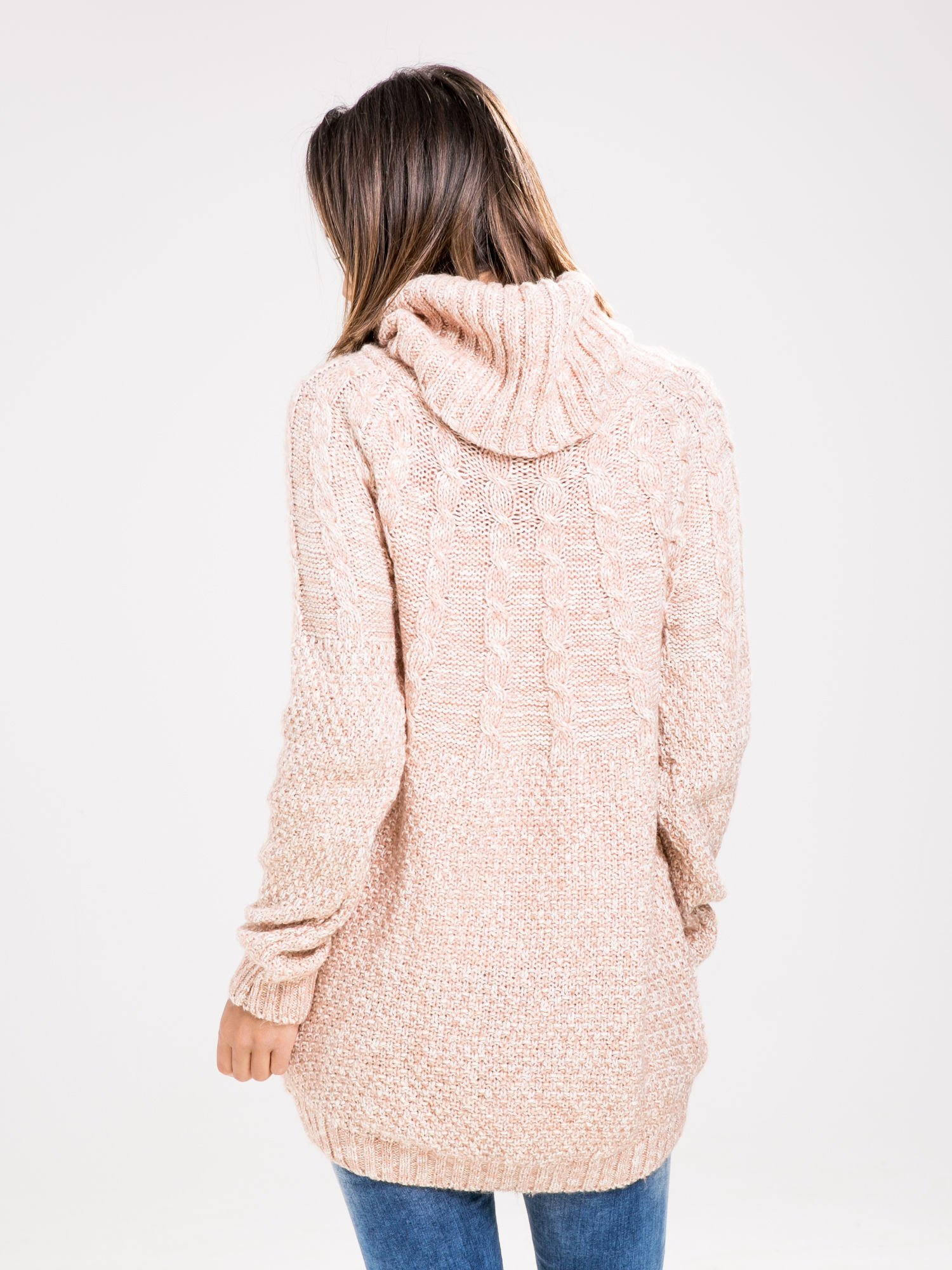 STRADIVARIUS Pasteloworóżowy sweter z obszernym golfem                                  zdj.                                  2