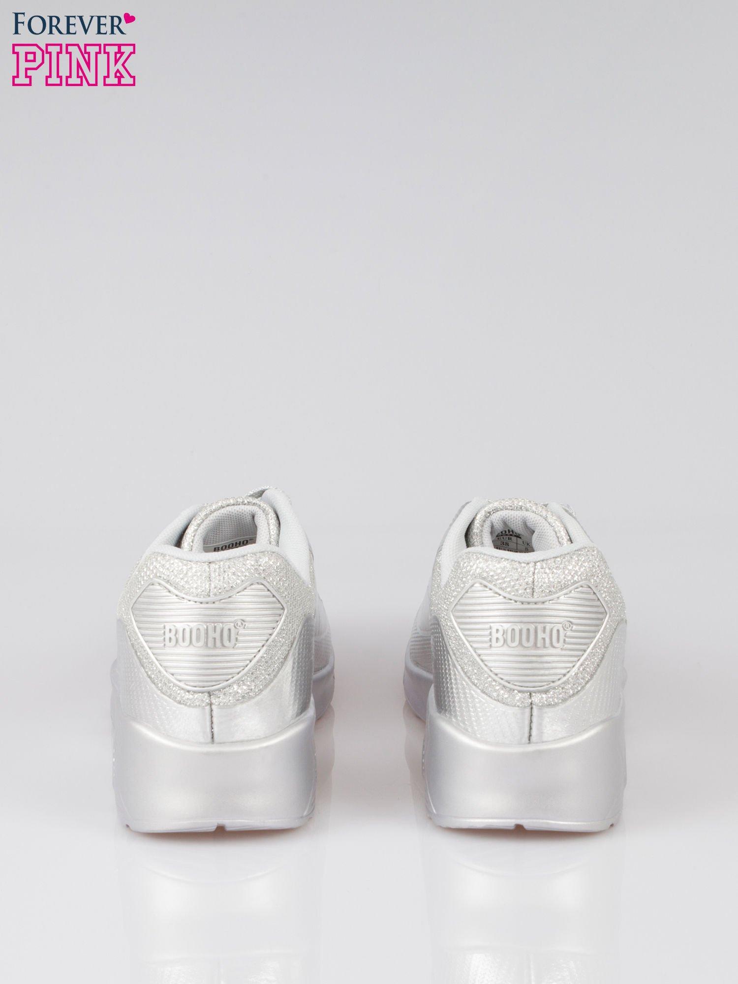 Srebrne buty sportowe faux leather Desire na podeszwie z poduszką powietrzną                                  zdj.                                  3