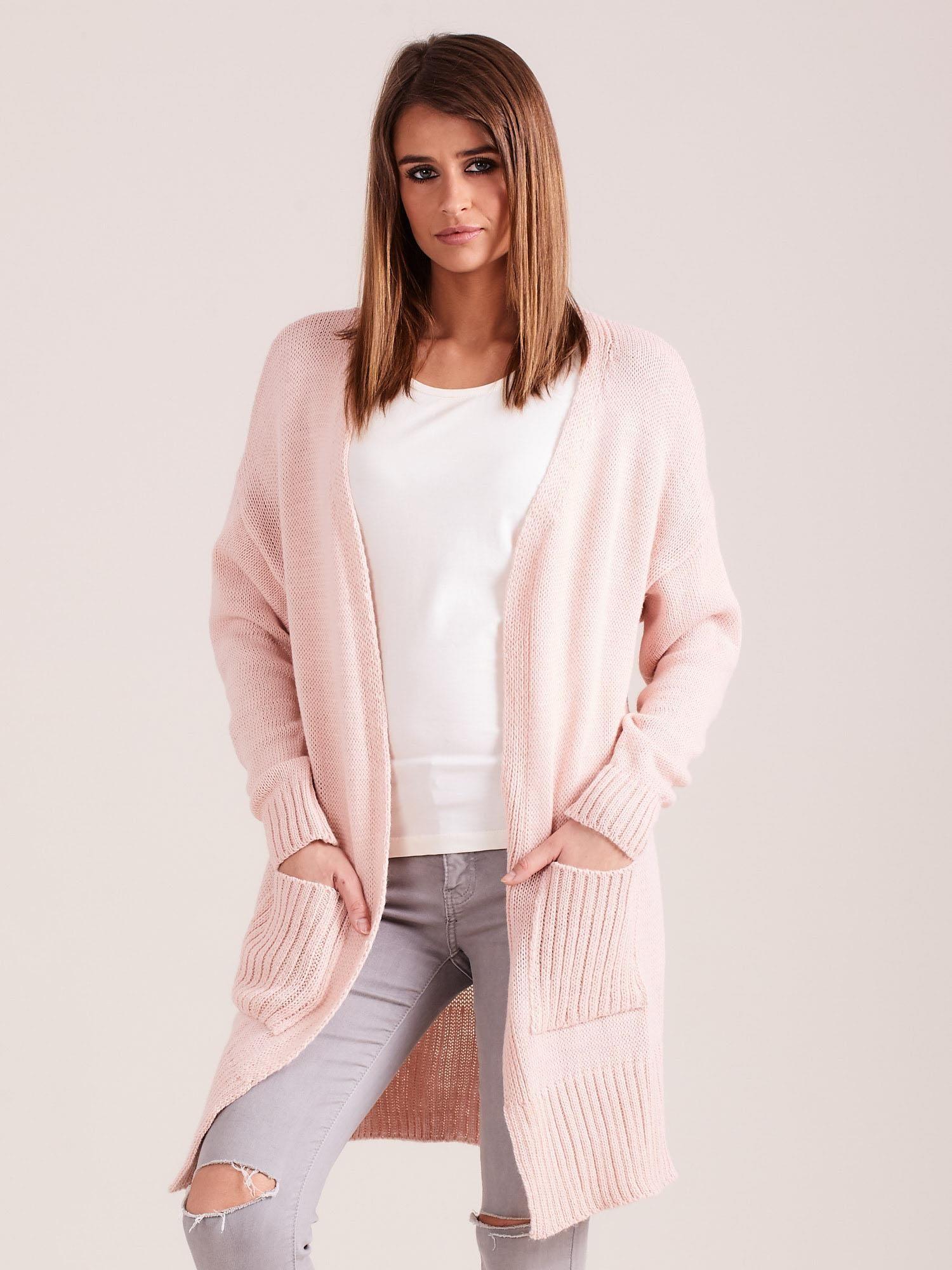 6db8115b709711 Sweter damski z kieszeniami jasnoróżowy - Sweter długi - sklep eButik.pl