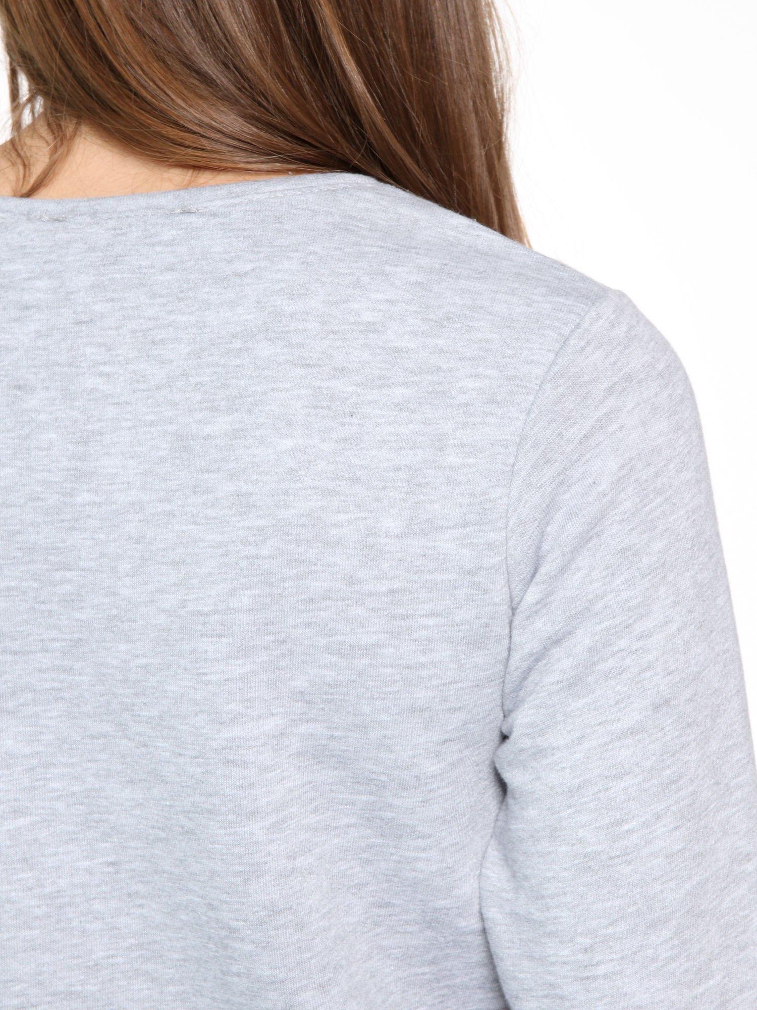 Szara bluza dresowa z nadrukiem LET'S FIND SOME BEAUTIFUL PLACE TO GET LOST                                  zdj.                                  8
