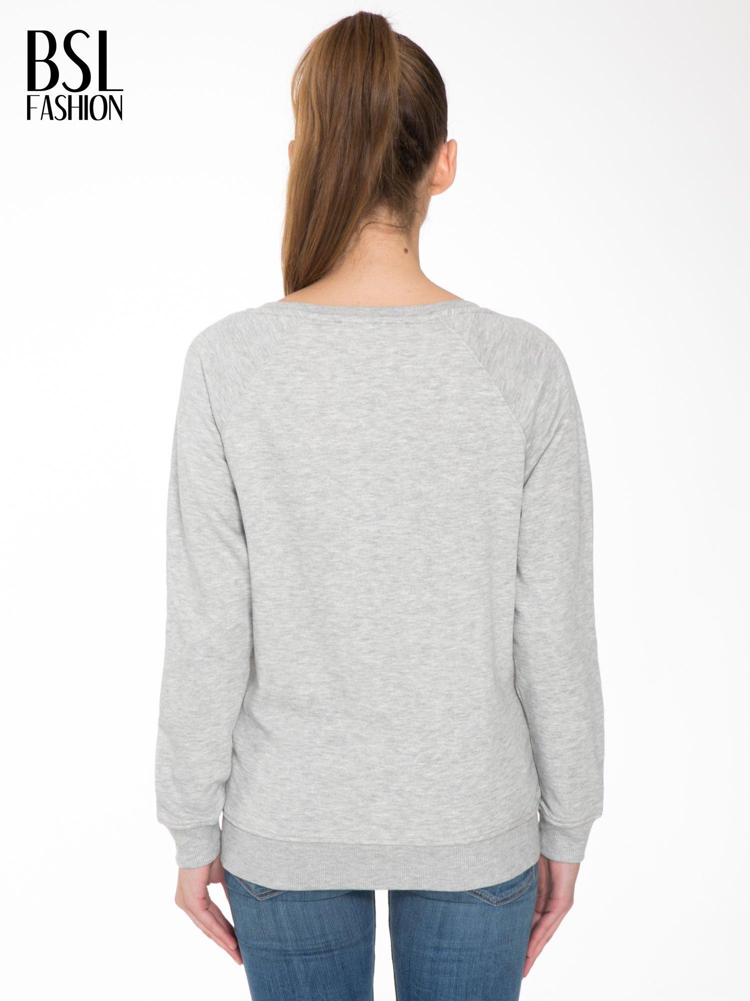Szara bluza z nadrukiem LA MODE                                  zdj.                                  4