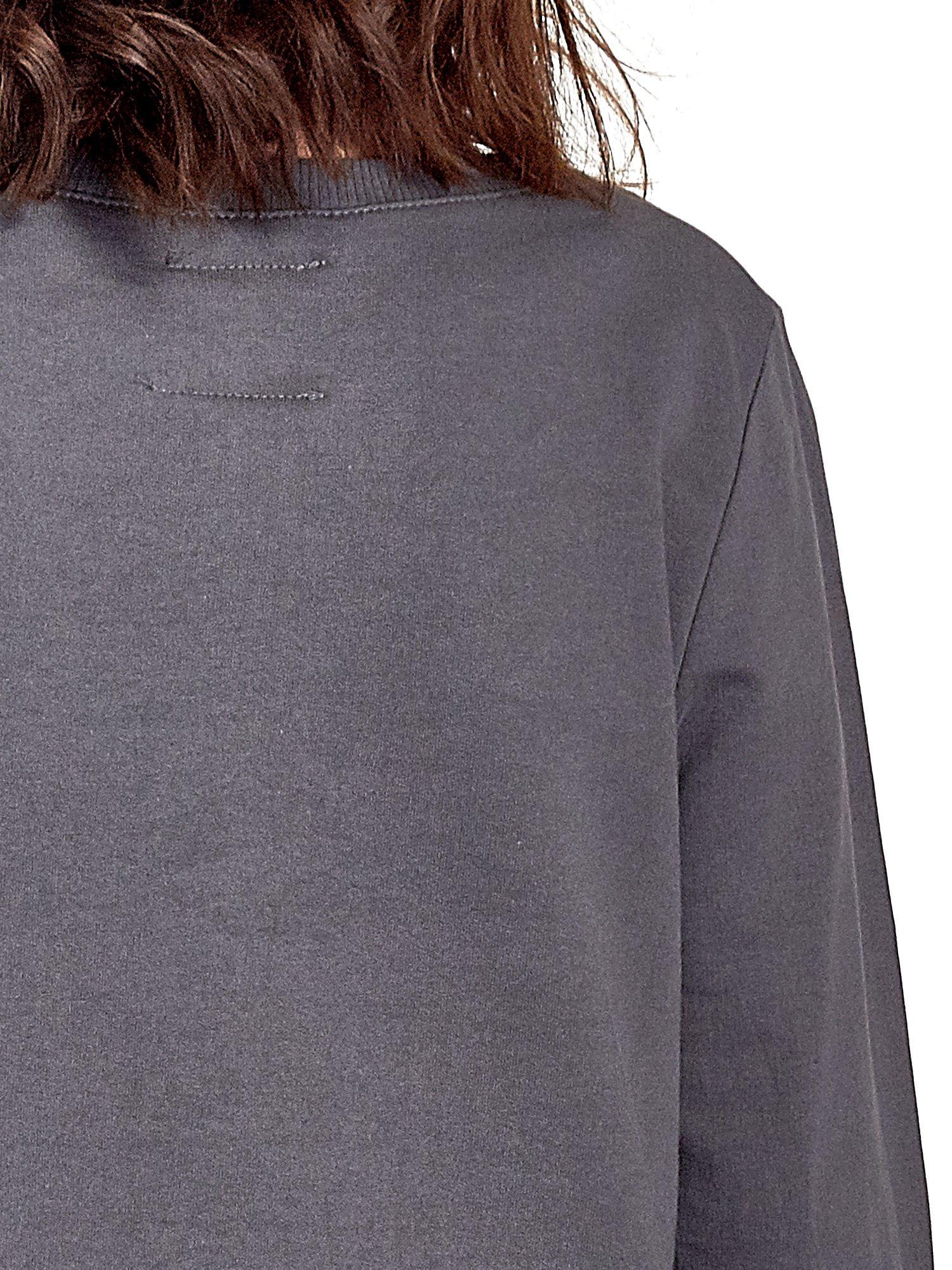 Szara bluza z napisem LOVE ME i dłuższym tyłem                                  zdj.                                  5