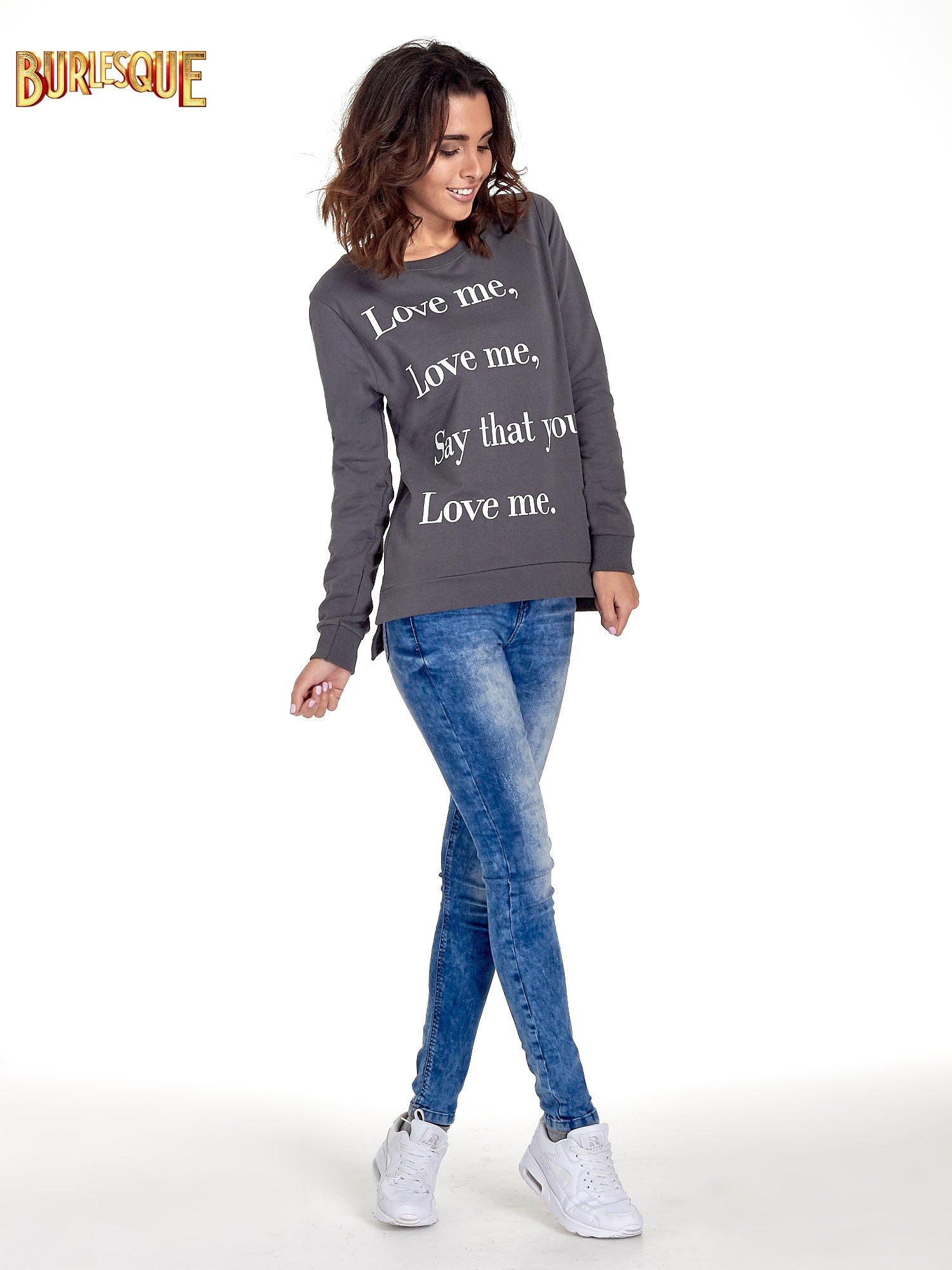 Szara bluza z napisem LOVE ME i dłuższym tyłem                                  zdj.                                  4