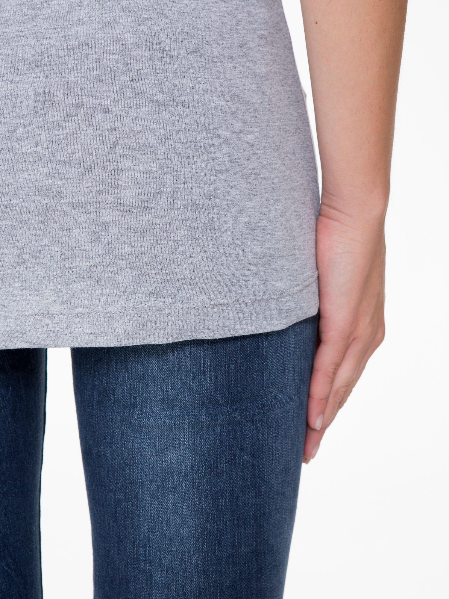 Szara bluzka z nadrukiem loga Instagrama                                  zdj.                                  9