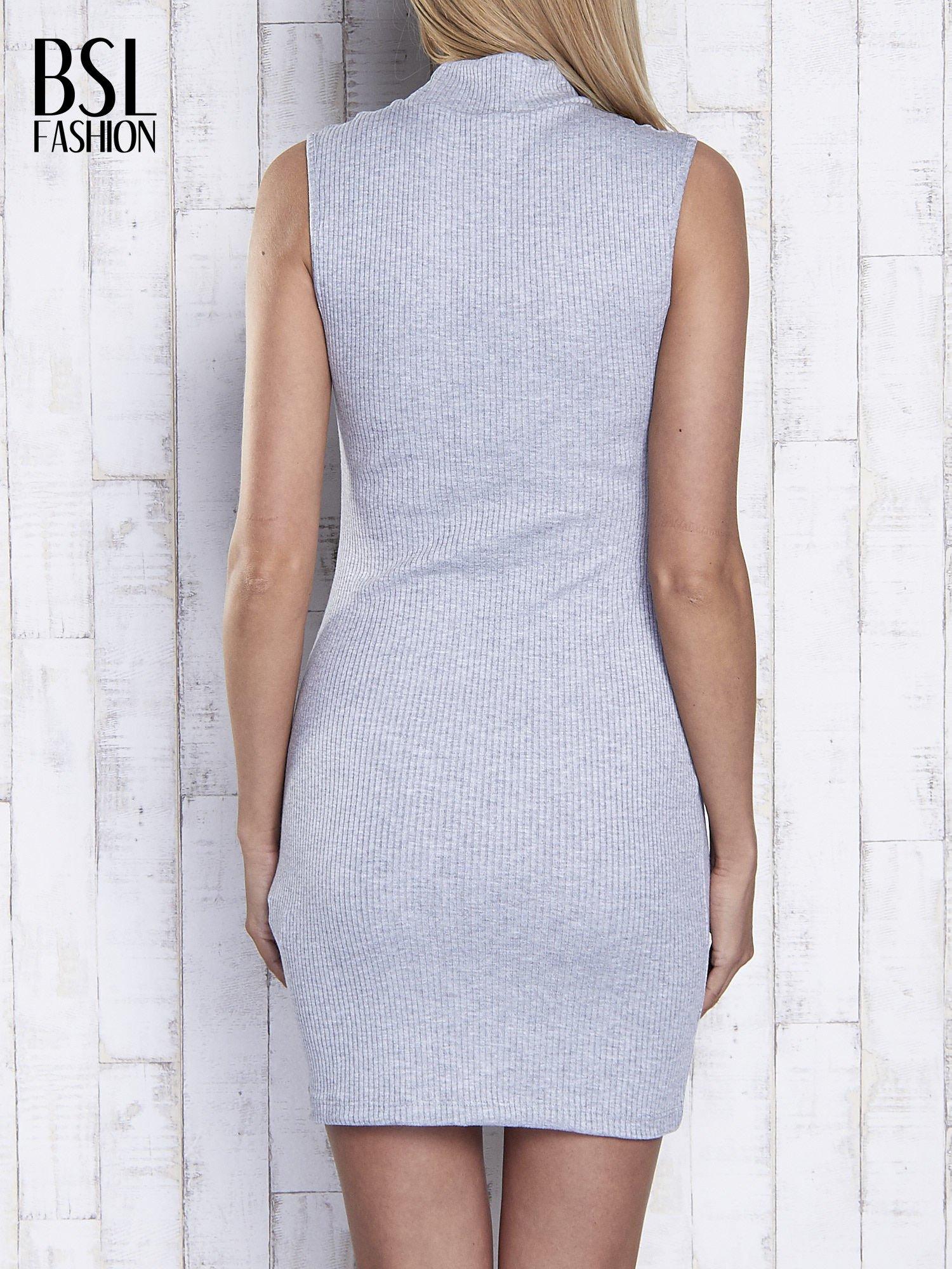 Szara dopasowana sukienka z golfem                                  zdj.                                  5