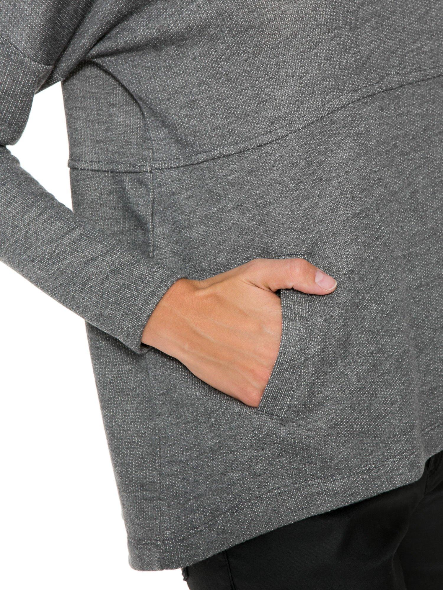 Szara dresowa bluza oversize z kieszeniami                                  zdj.                                  8