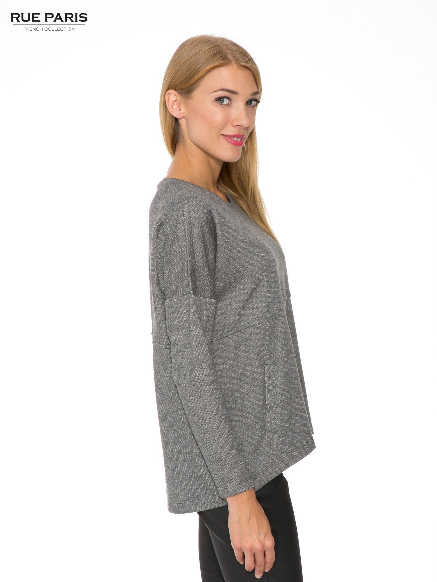 Szara dresowa bluza oversize z kieszeniami                                  zdj.                                  3