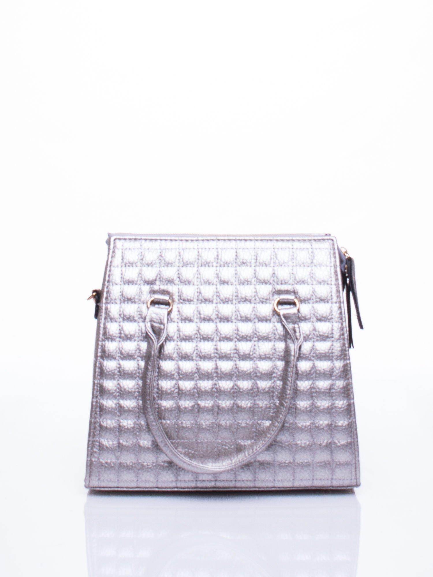 Szara torebka kuferek z pikowaniem                                  zdj.                                  2