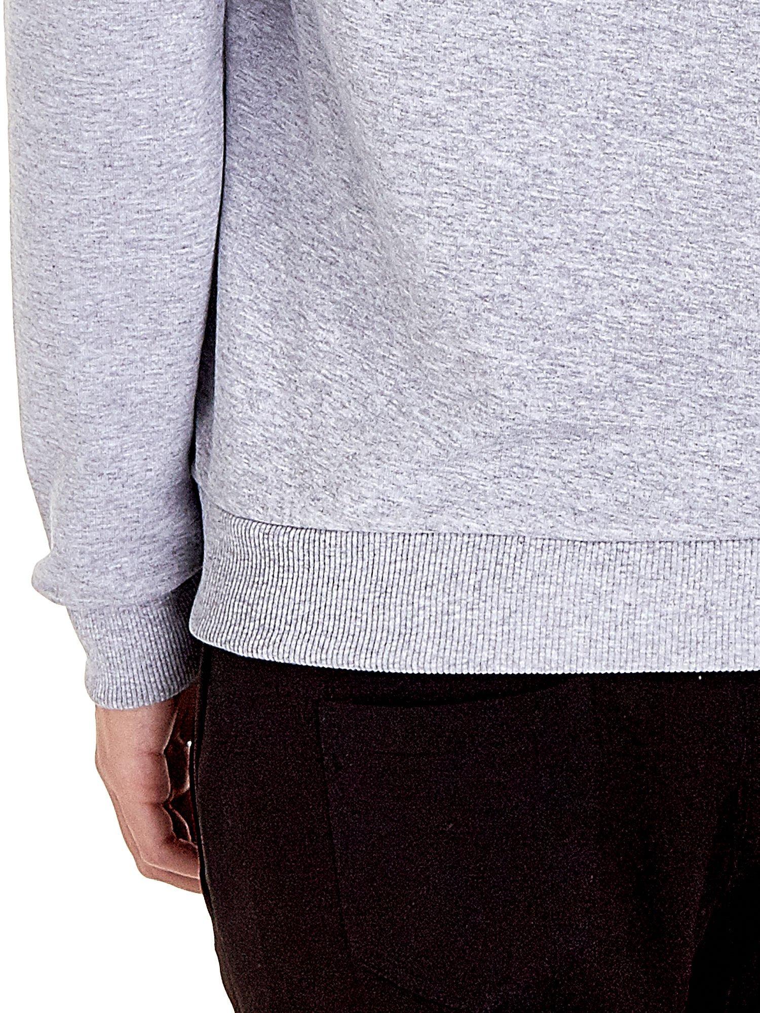 Szara zasuwana bluza z kapturem z nadrukiem numerycznym                                  zdj.                                  6