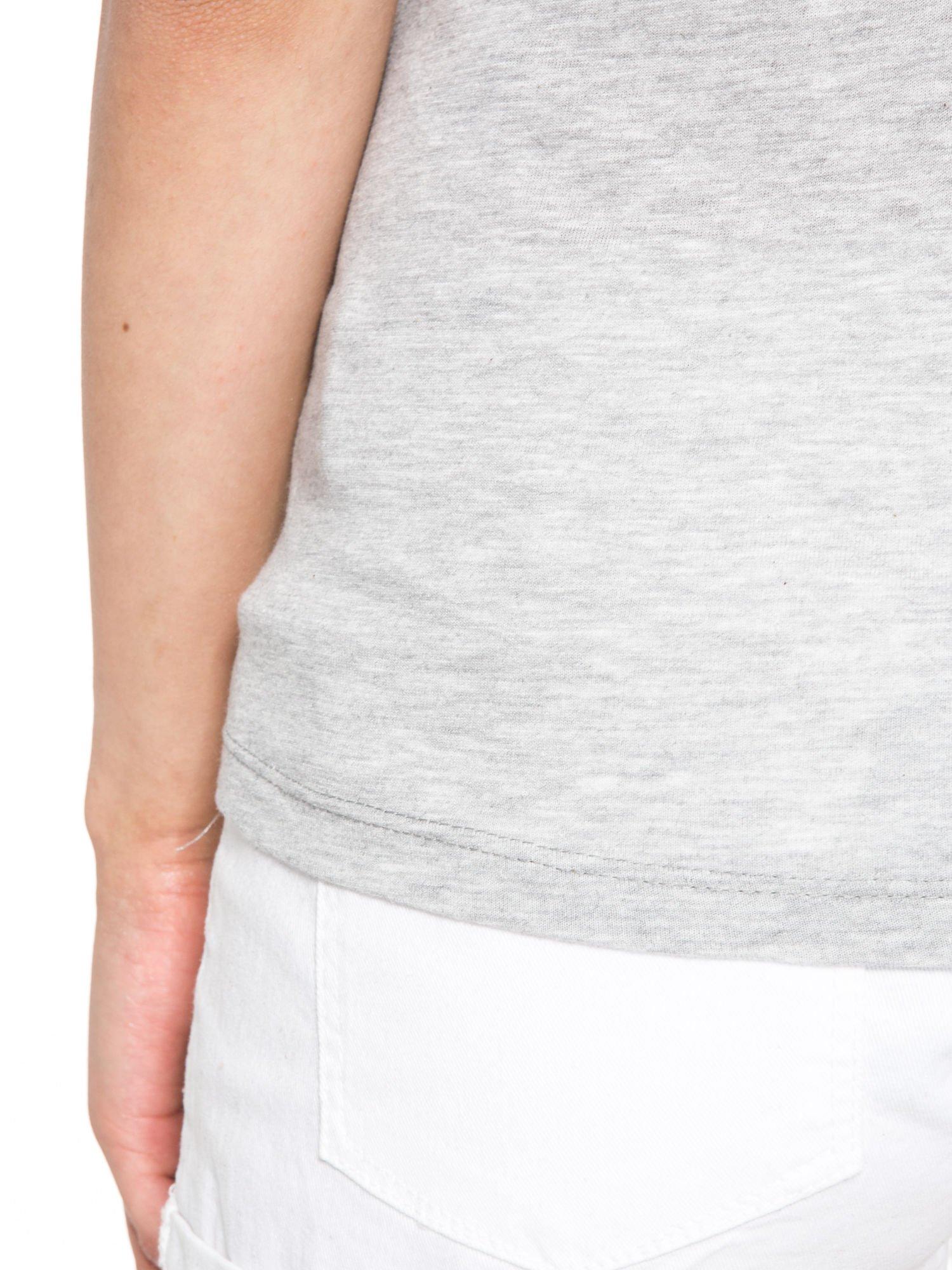 Szaro-czarny t-shirt z nadrukiem FASHION 88                                  zdj.                                  10