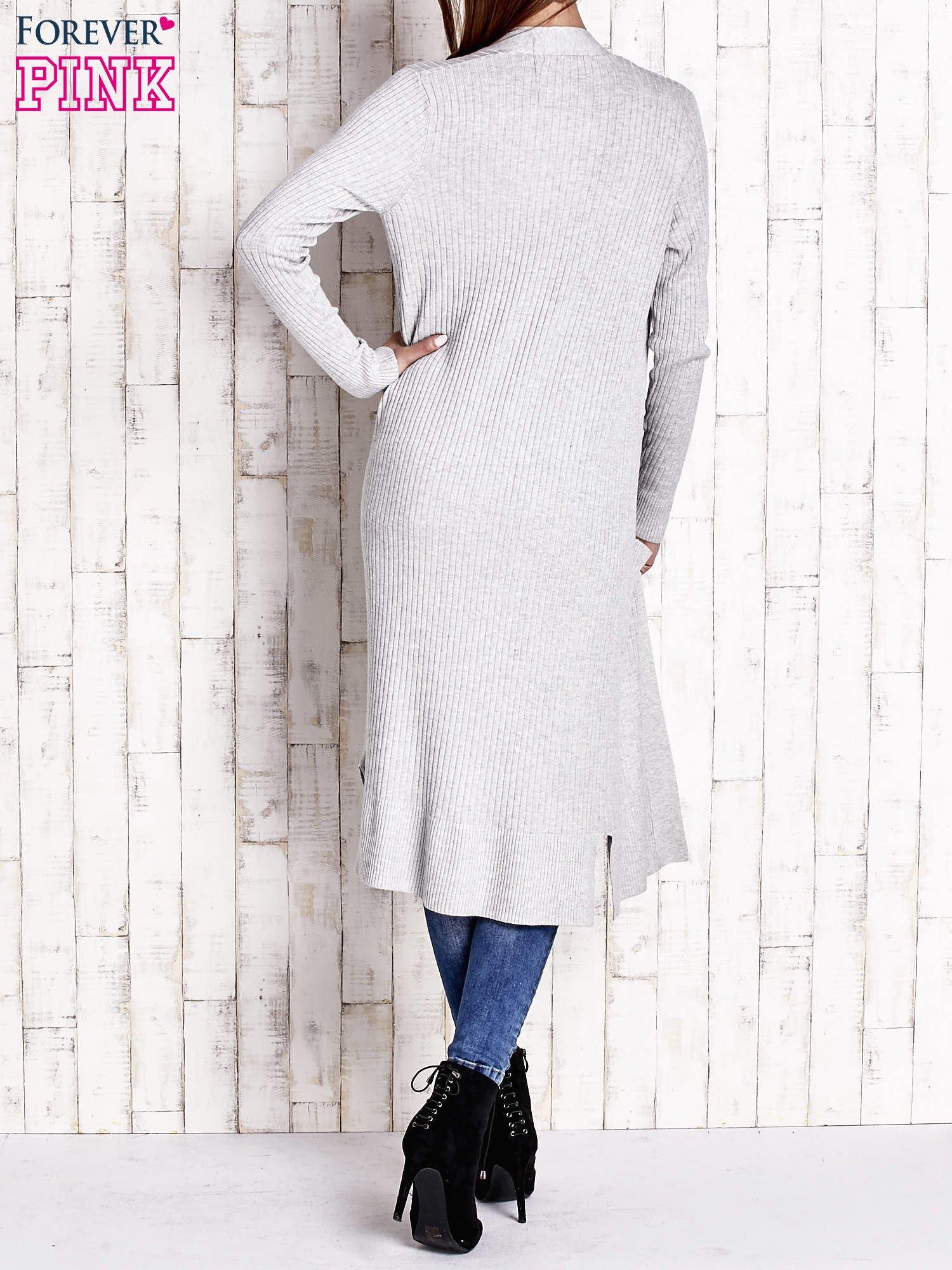 Szary długi prążkowany sweter                                  zdj.                                  4