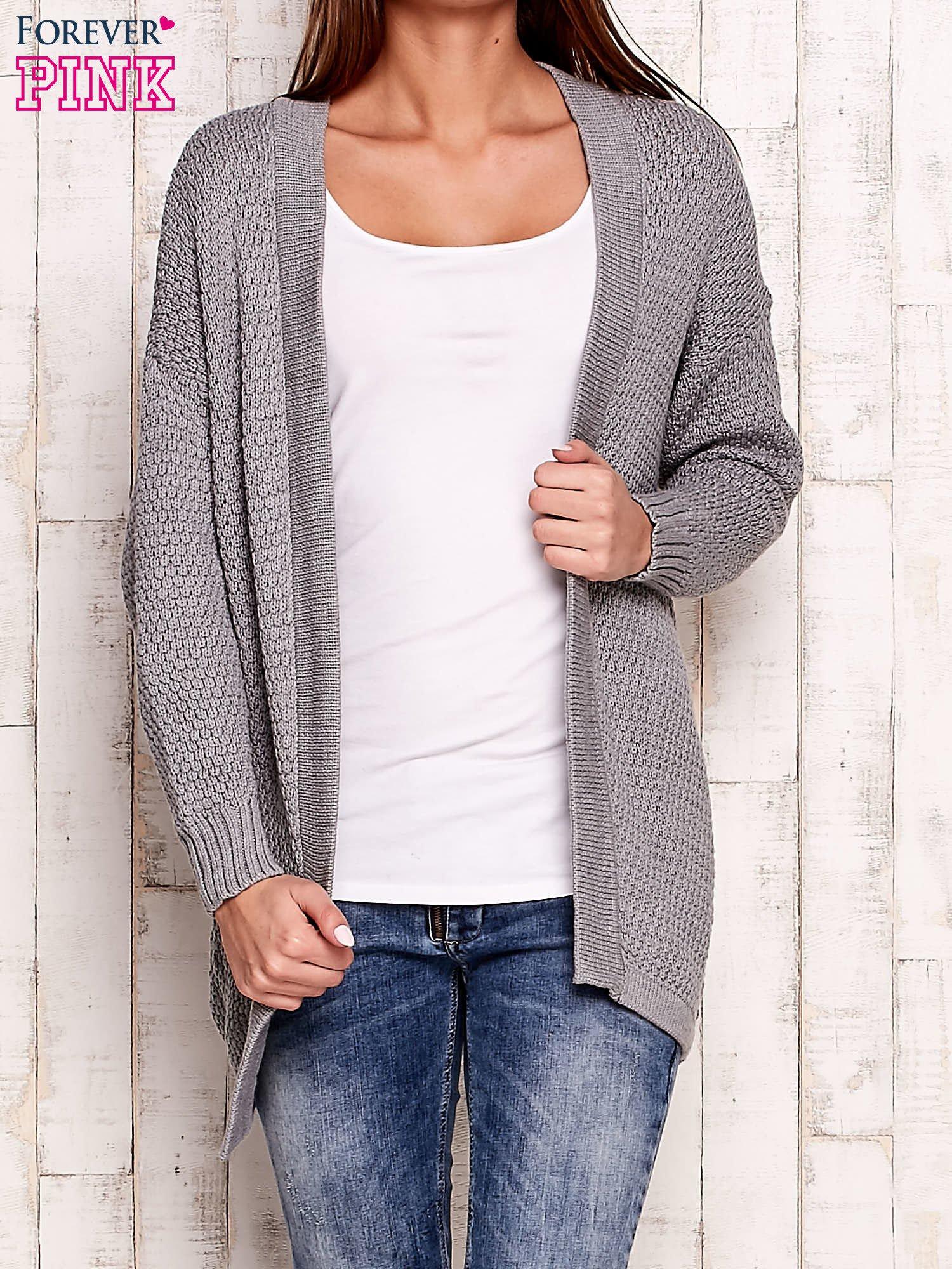 Szary fakturowany otwarty sweter                                   zdj.                                  1