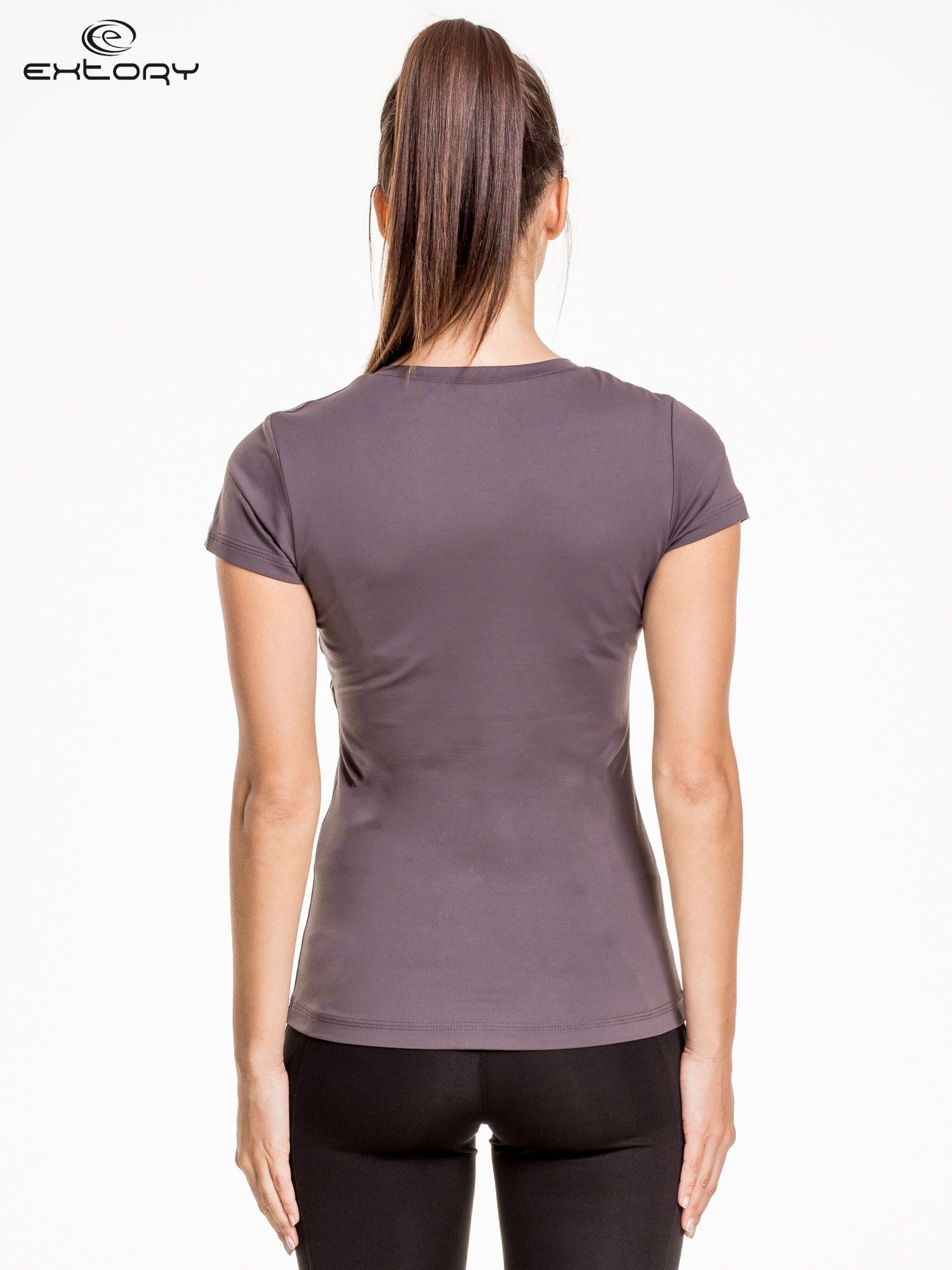 Szary modelujący damski t-shirt sportowy                                   zdj.                                  4