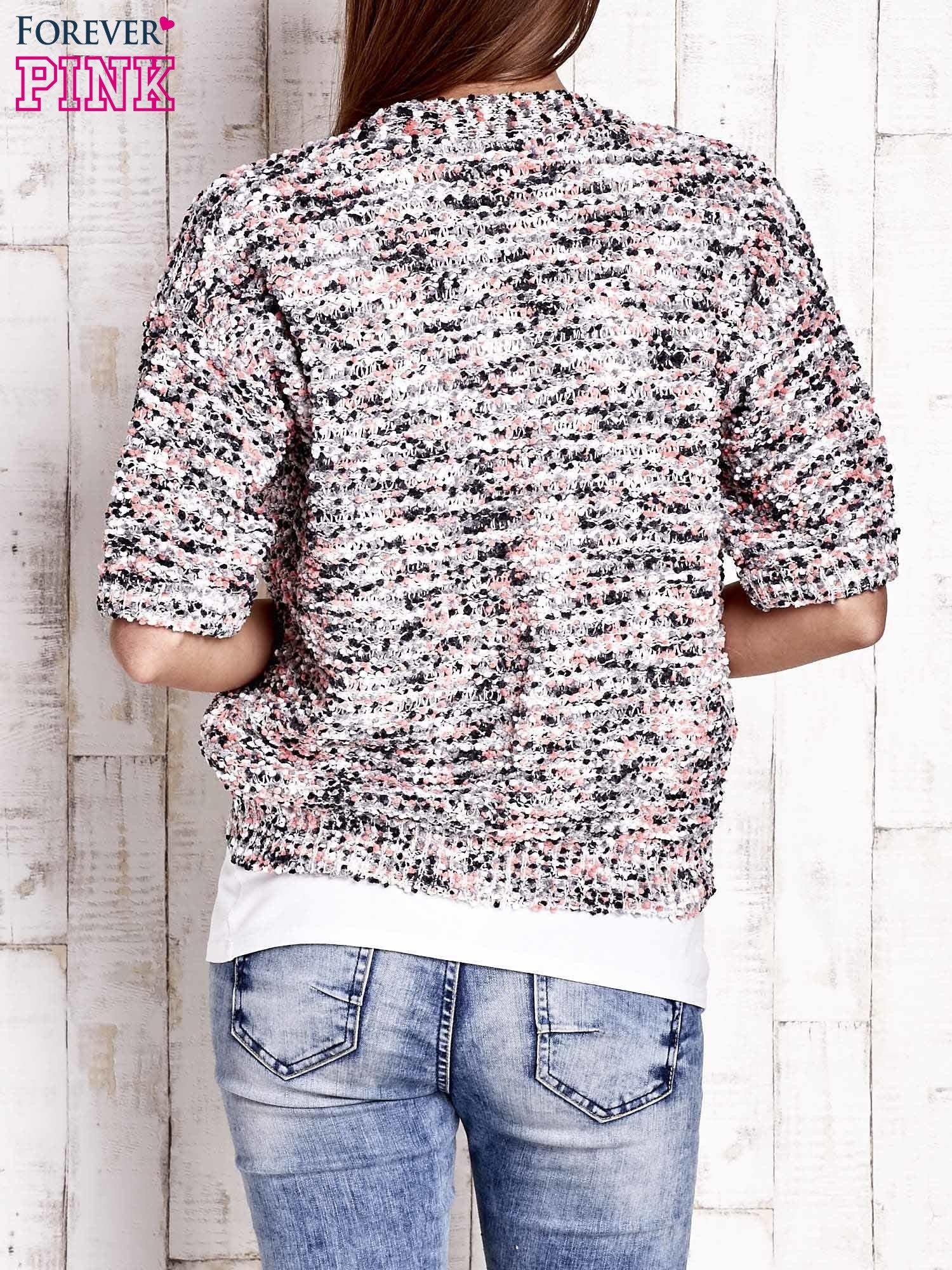 Szary sweter bouclé z metaliczną nicią                                  zdj.                                  4