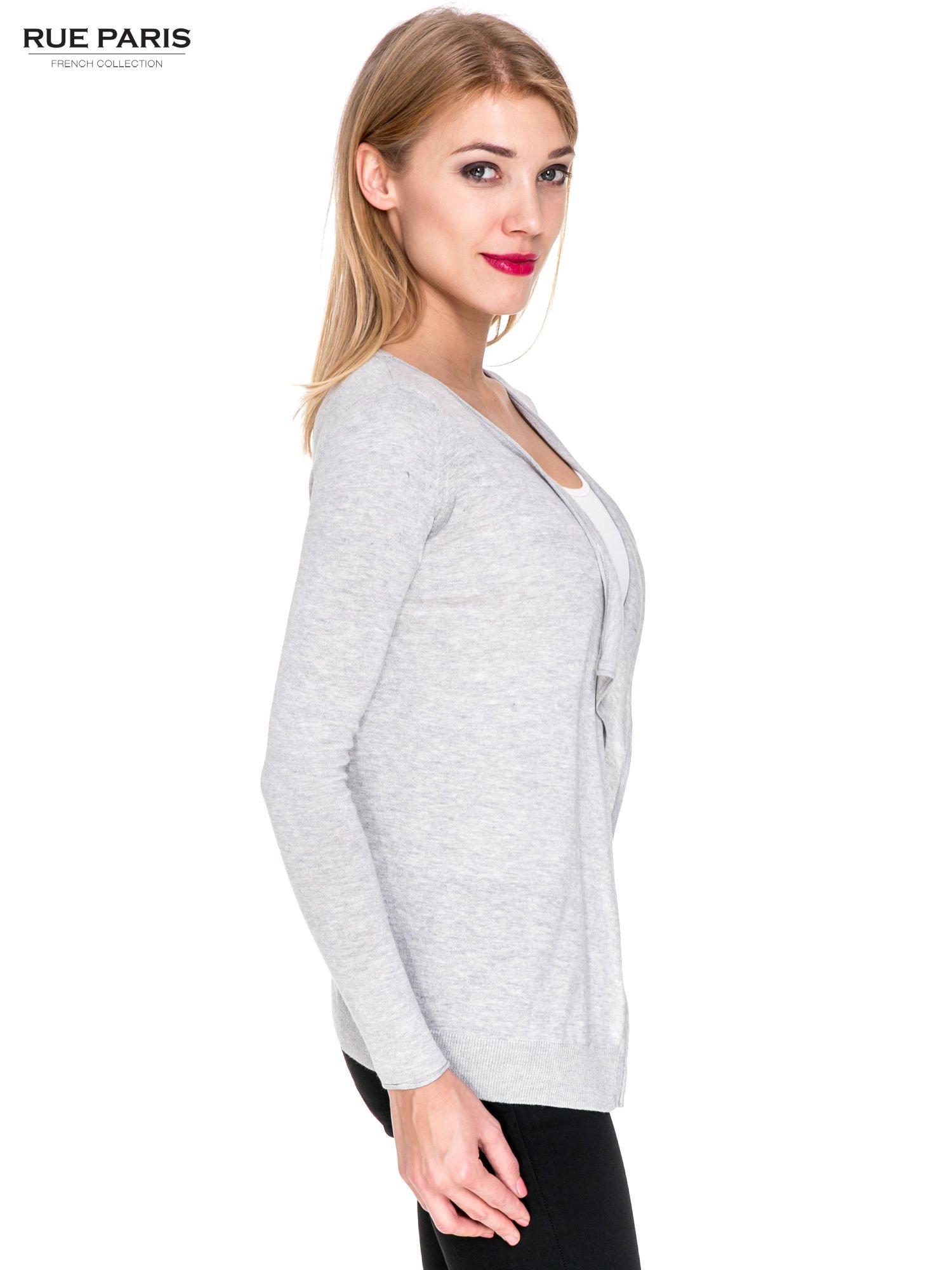 Szary sweterek kardigan o kaskadowym fasonie                                  zdj.                                  3