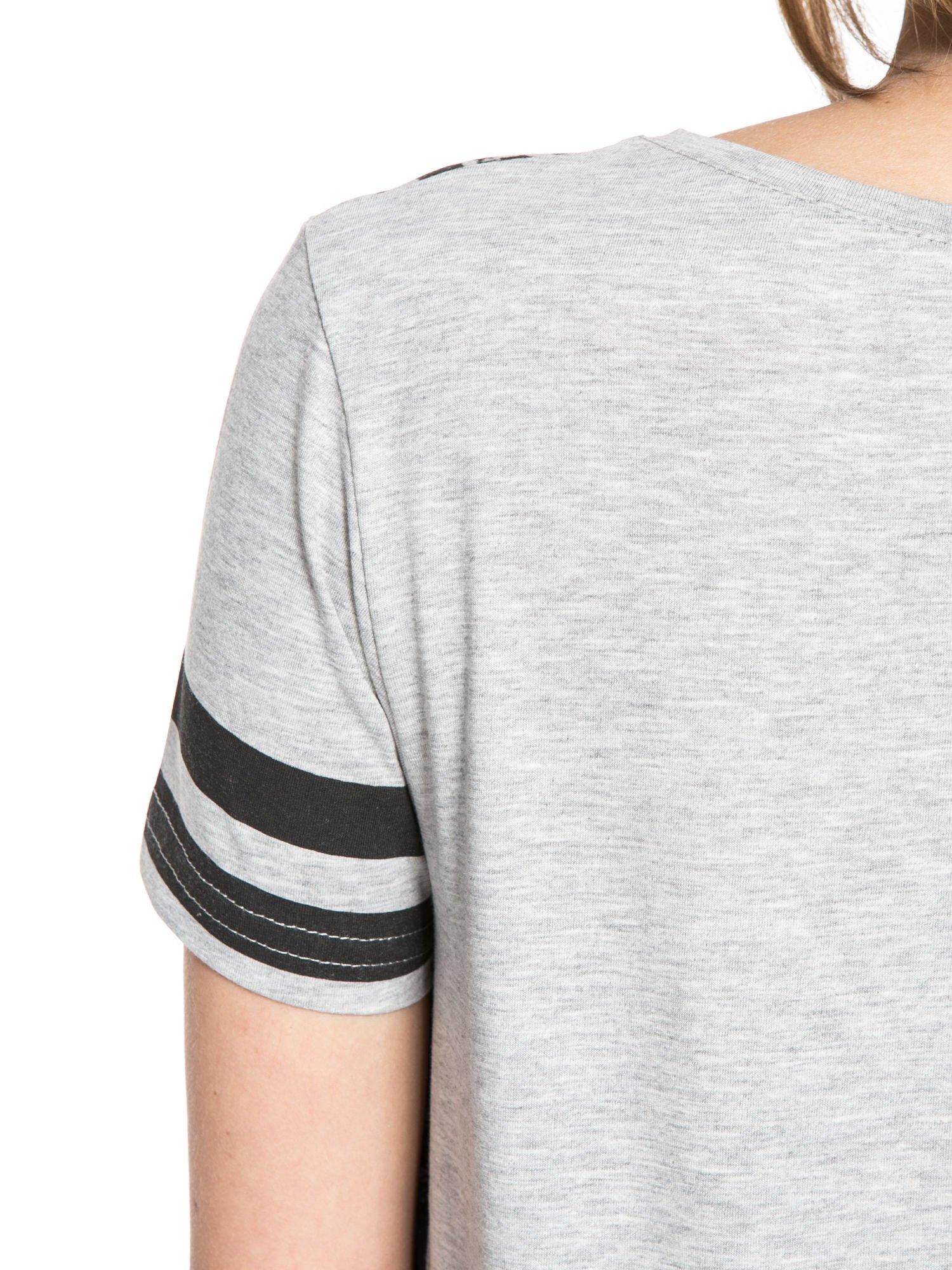 Szary t-shirt z motywem Paryża                                  zdj.                                  11