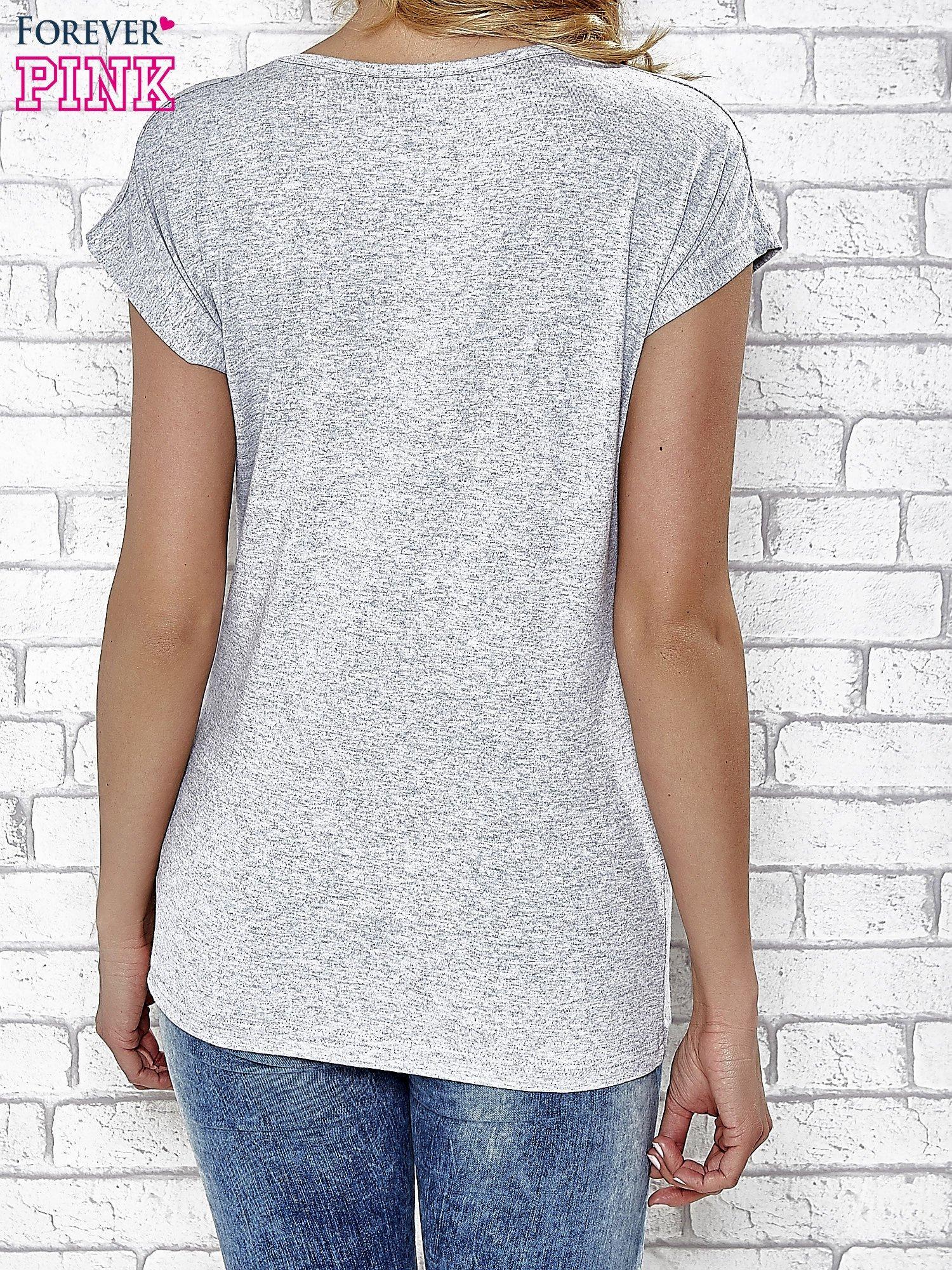 Szary t-shirt z napisem YOU ARE STAR IN MY HEART z dżetami                                  zdj.                                  4