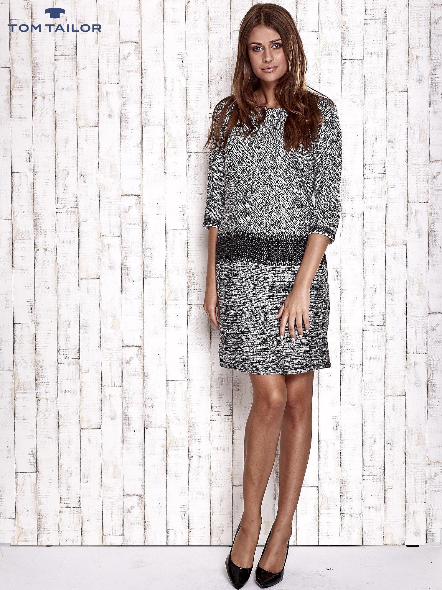 TOM TAILOR Biało-czarna sukienka z graficznym nadrukiem                                  zdj.                                  2