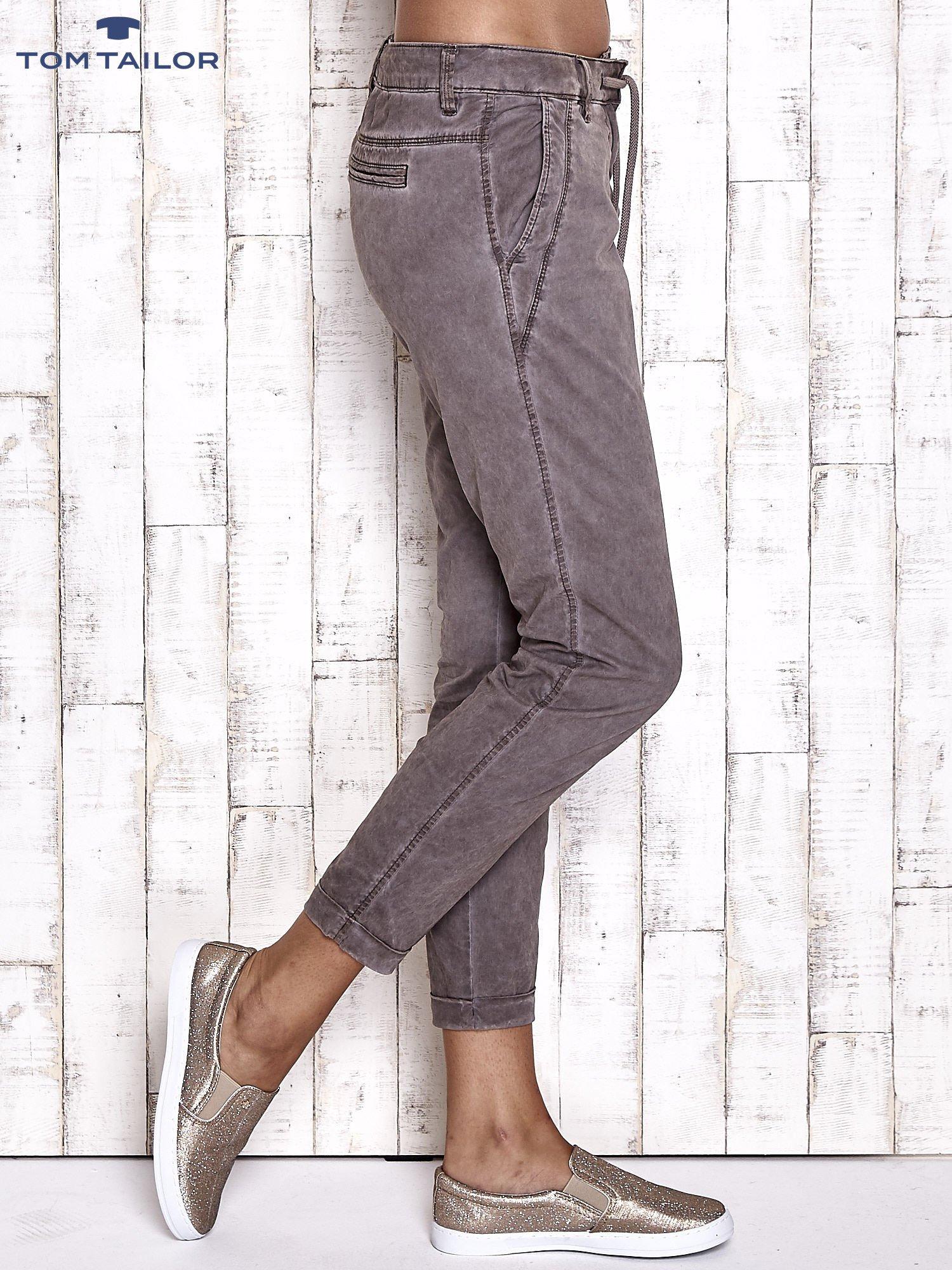 TOM TAILOR Ciemnoszare spodnie chinosy z troczkiem                                  zdj.                                  3