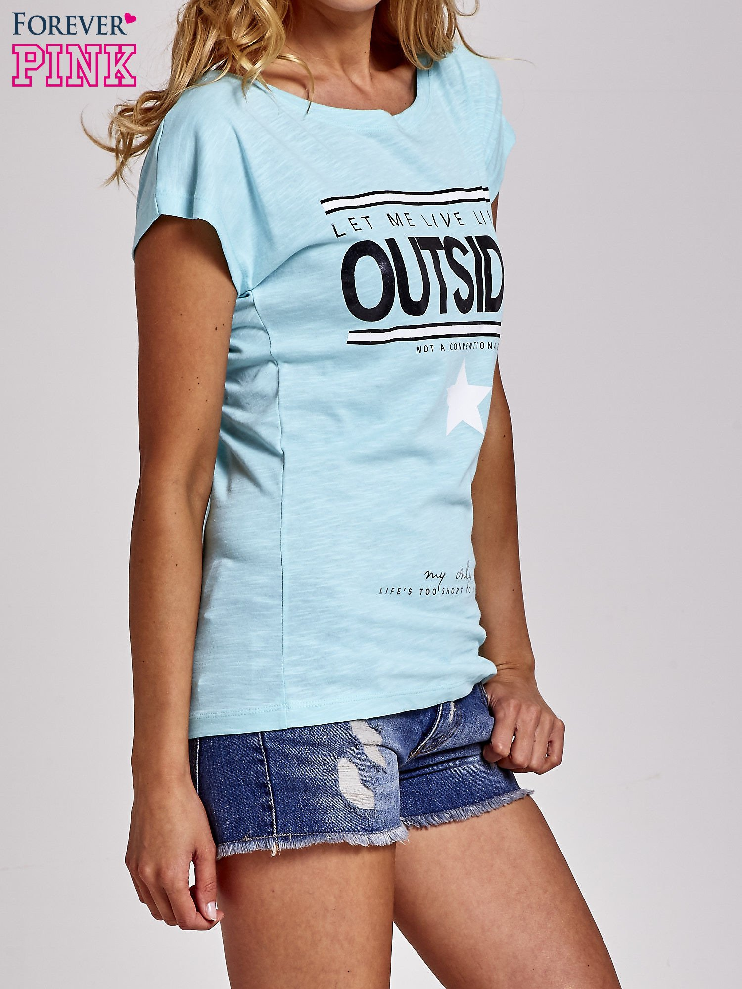 Turkusowy t-shirt z napisem OUTSIDER                                  zdj.                                  3