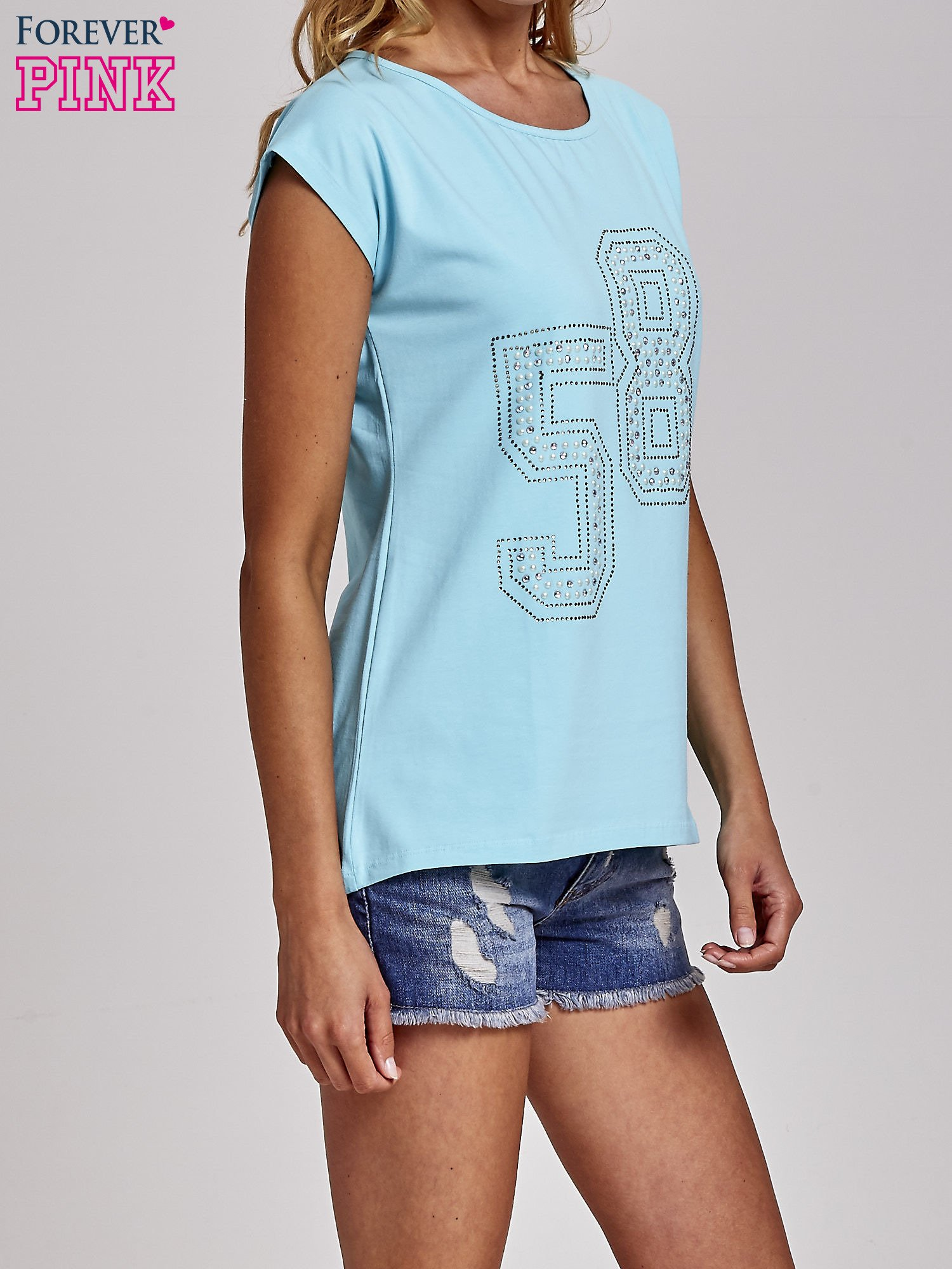 Turkusowy t-shirt z numerem 58 z dżetów                                  zdj.                                  3