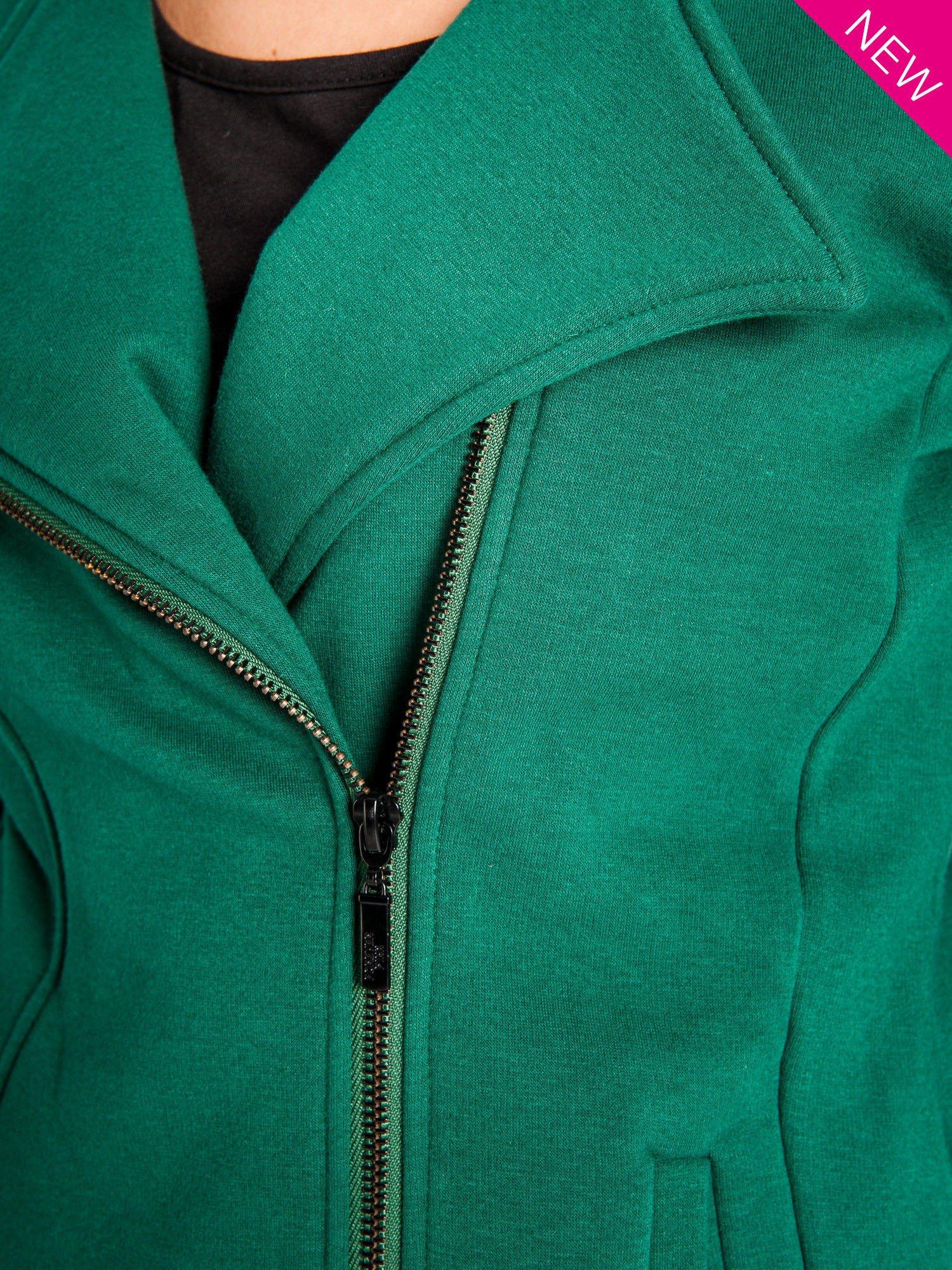 Zielona bluza o kroju ramoneski z asymetrycznym suwakiem                                  zdj.                                  2