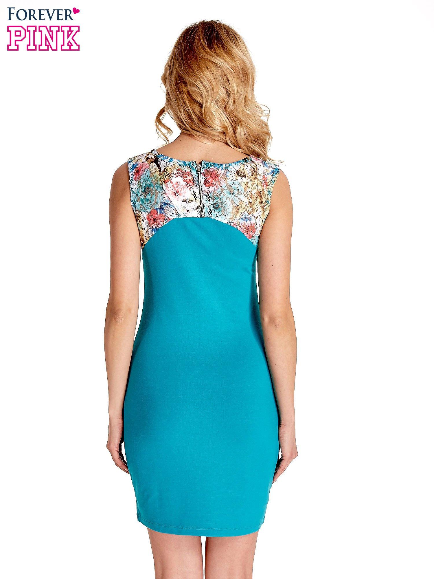 Zielona sukienka z kwiatową koronką                                  zdj.                                  2