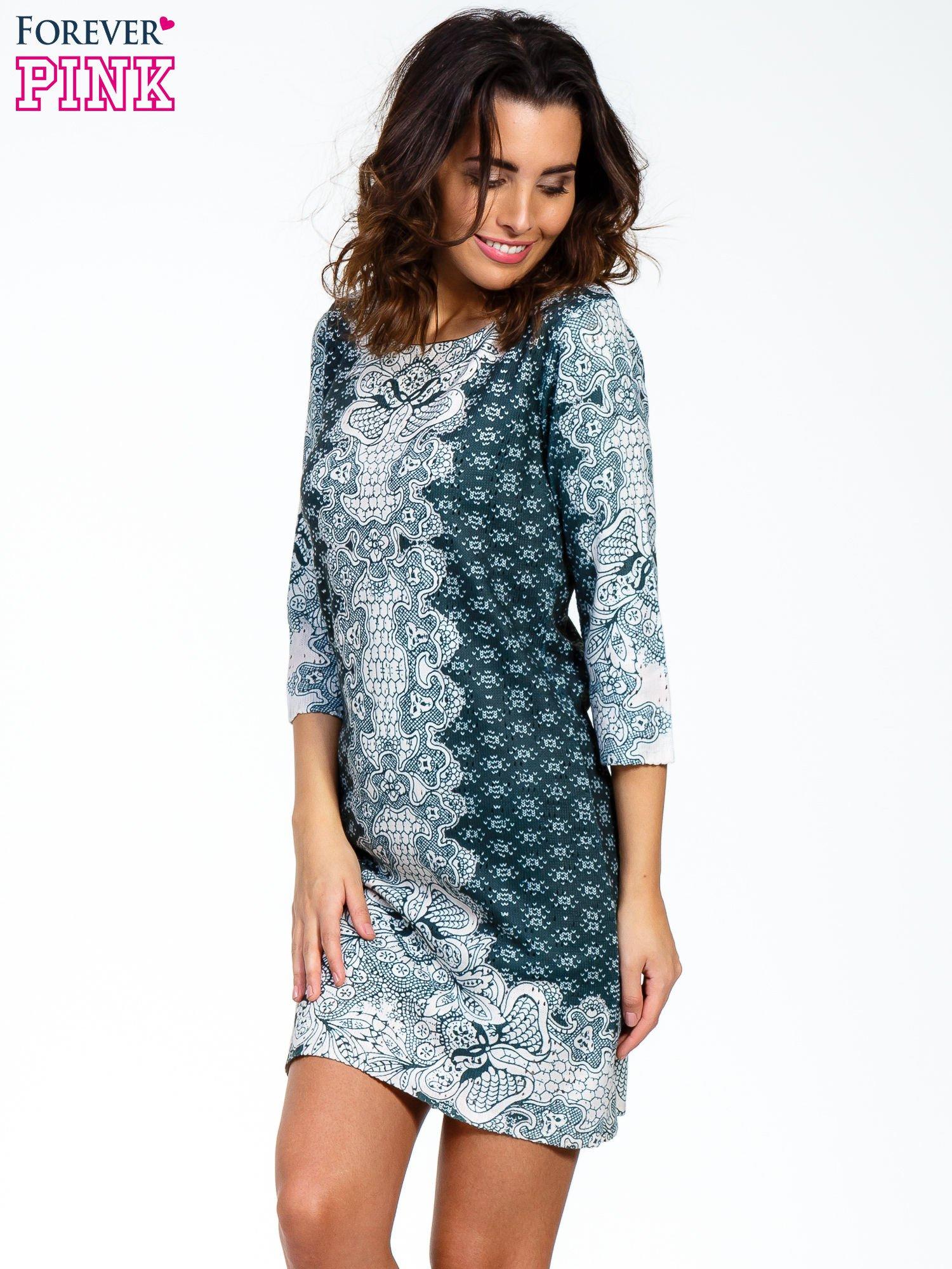 Zielona sukienka z roślinnym nadrukiem                                  zdj.                                  1