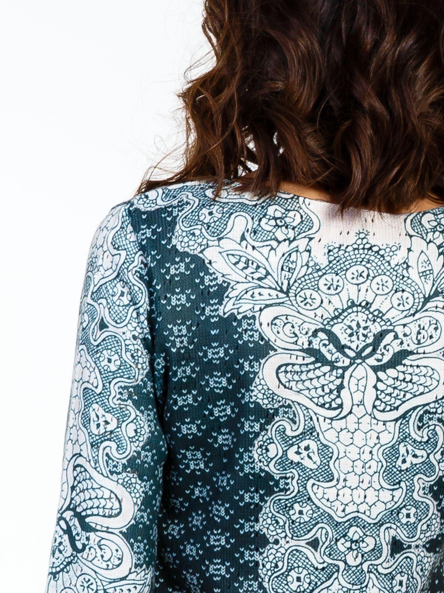 Zielona sukienka z roślinnym nadrukiem                                  zdj.                                  7