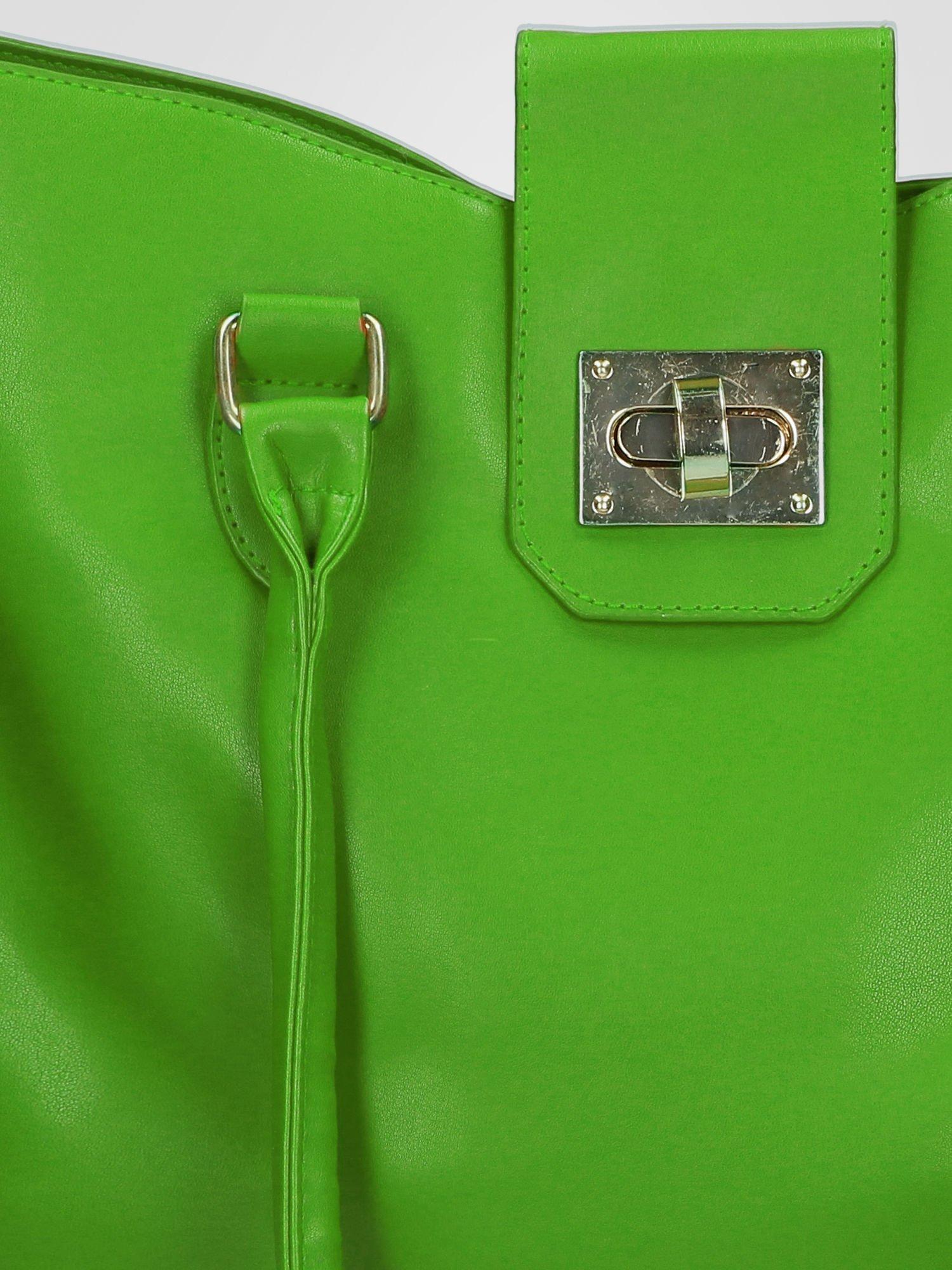 Zielona torebka city bag z zatrzaskiem                                  zdj.                                  8