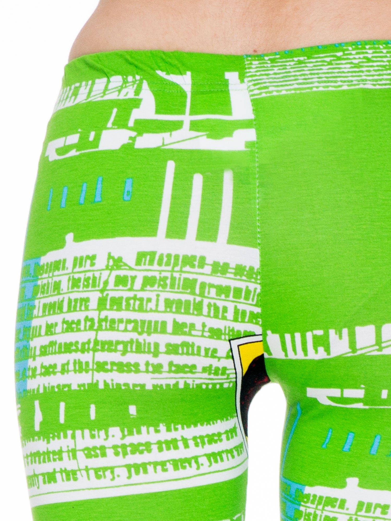 Zielone legginsy z nadrukiem komiksowym                                  zdj.                                  6