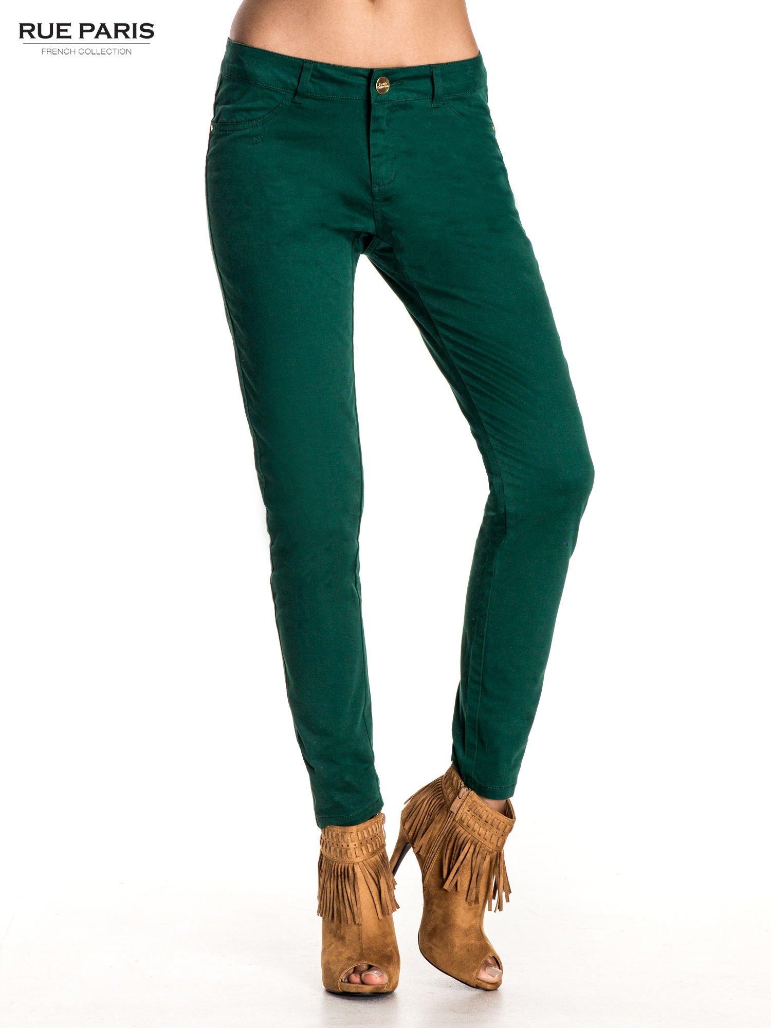 Zielone spodnie materiałowe w stylu chinos                                  zdj.                                  1