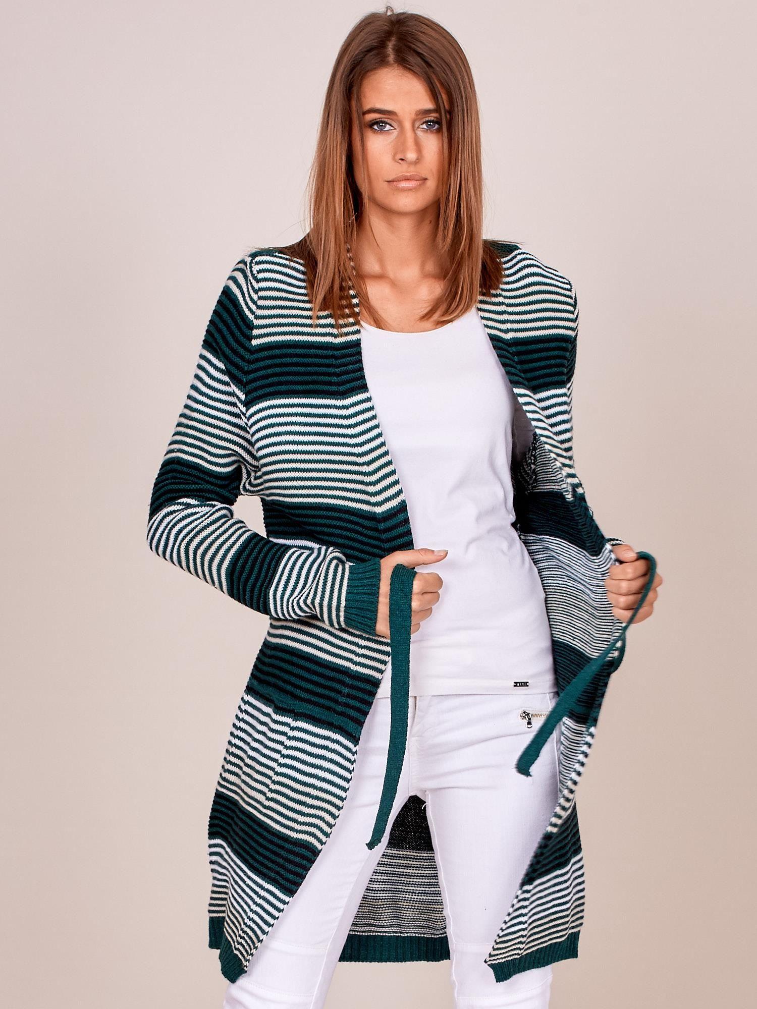 9e62021a Zielony długi sweter w paski z kieszeniami i wiązaniem