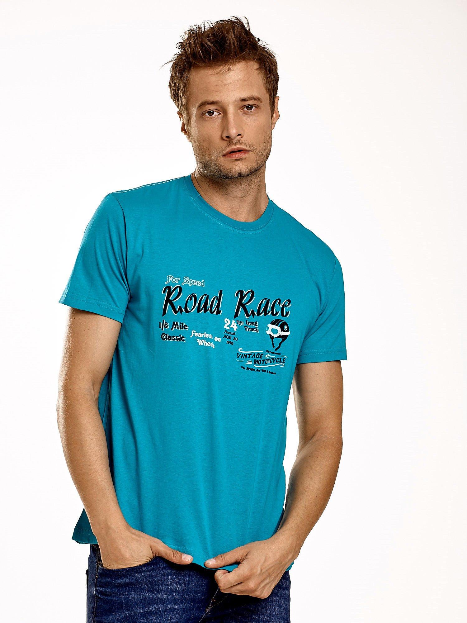Zielony t-shirt męski z wyścigowym napisem ROAD RACE                                  zdj.                                  1