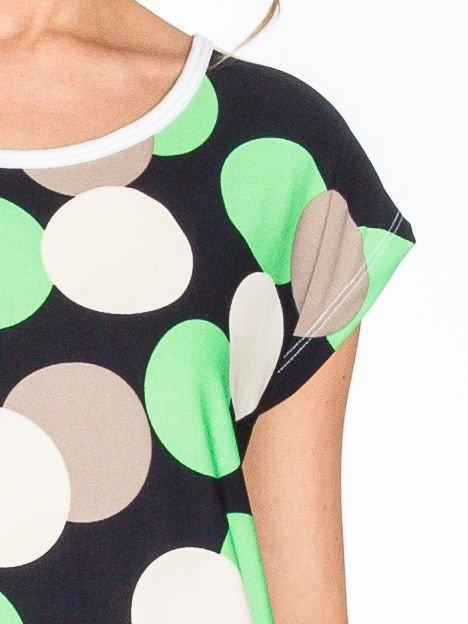 Zielony t-shirt we wzór kół                                  zdj.                                  5