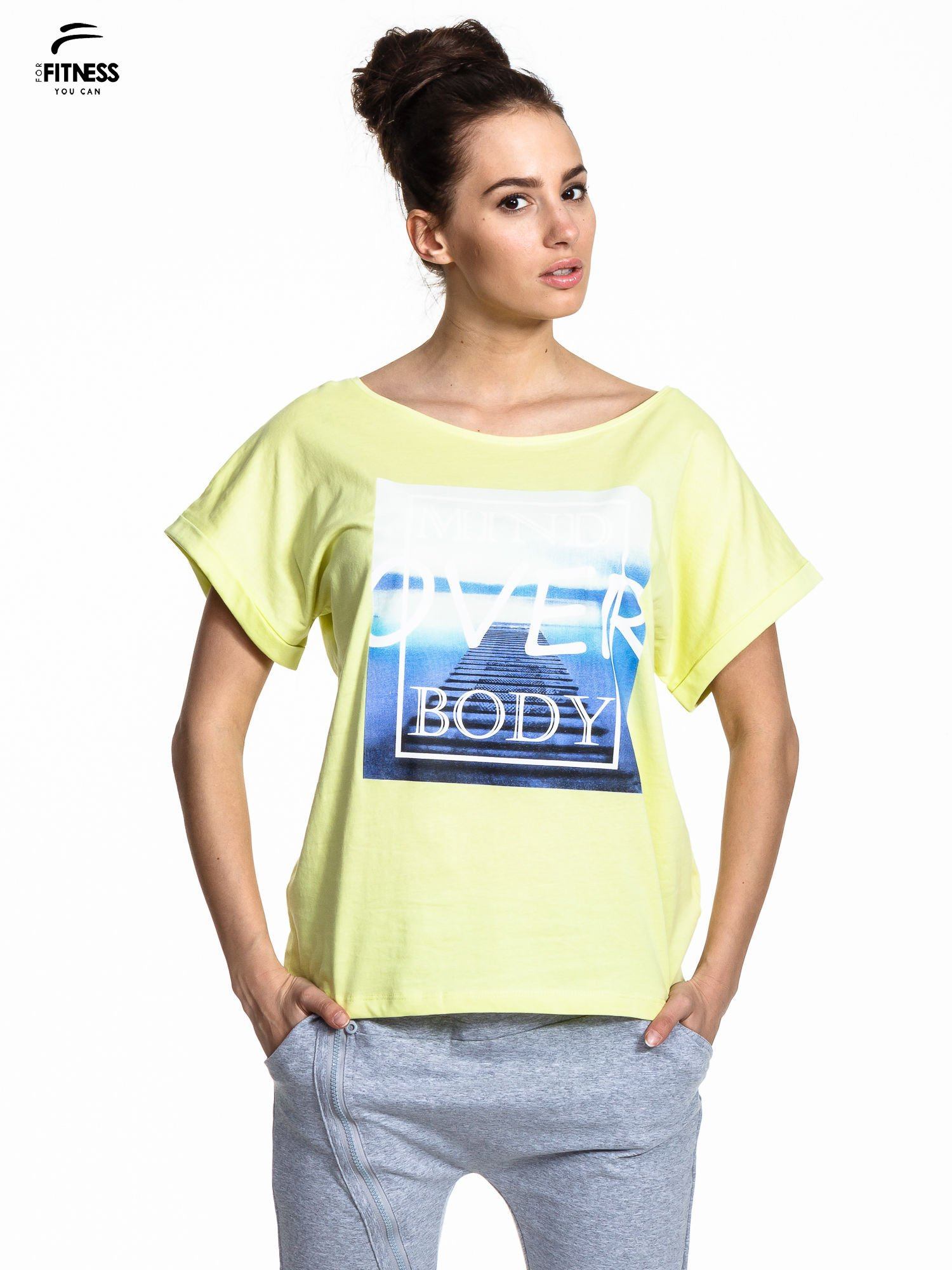 Zielony t-shirt z napisem MIND OVER BODY                                  zdj.                                  1