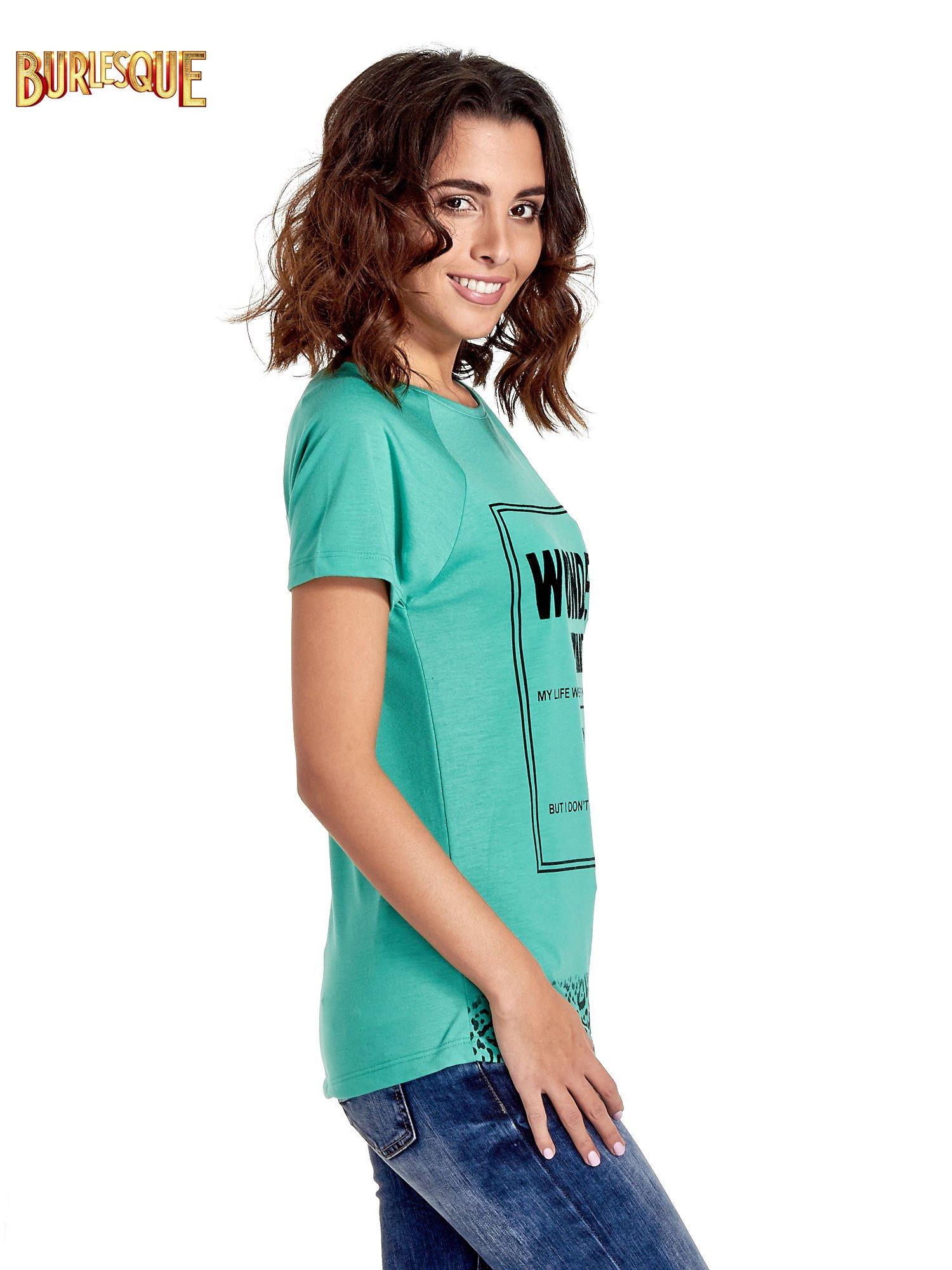 Zielony t-shirt z napisem WONDER WHAT?                                  zdj.                                  3