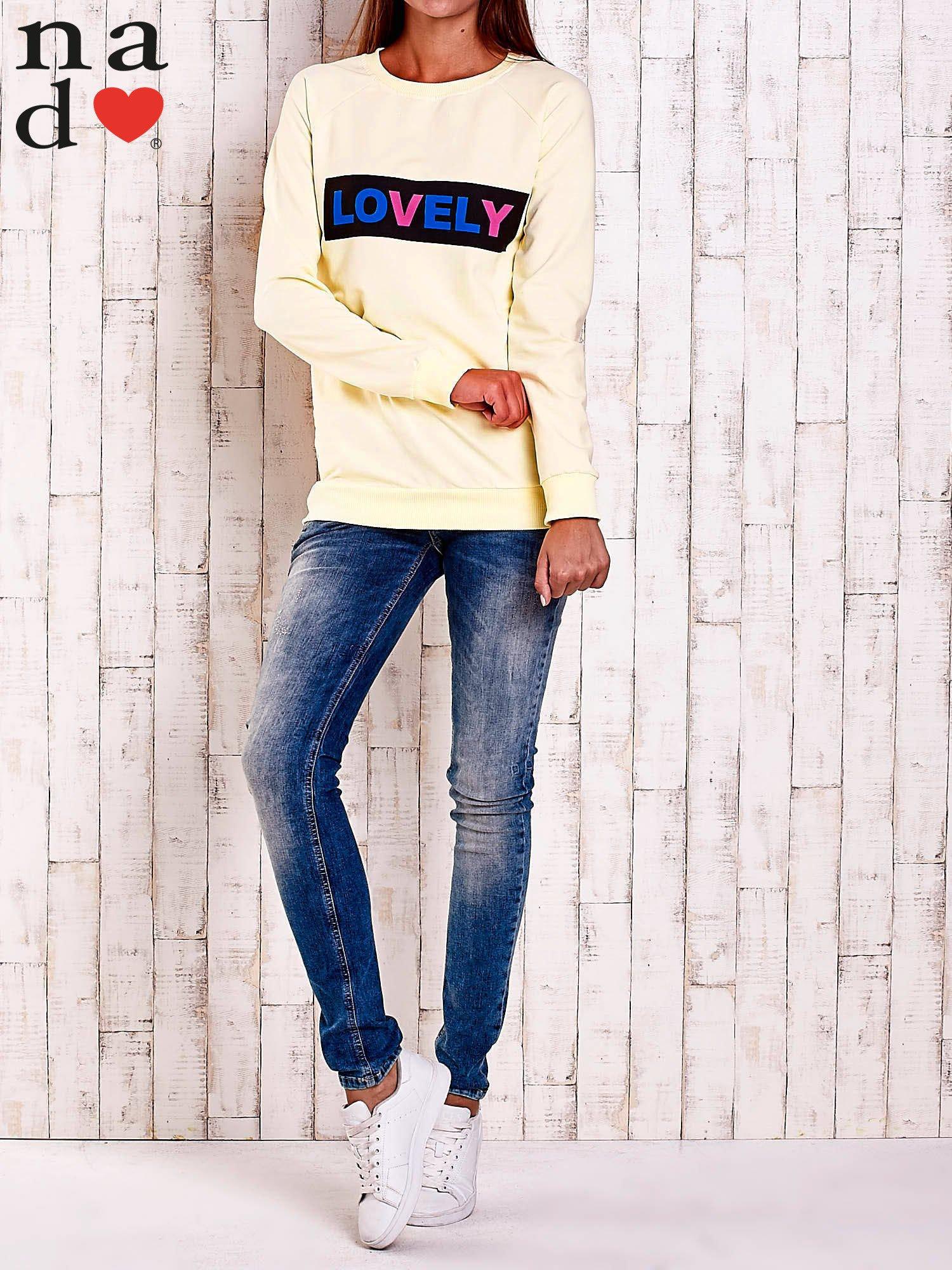 Żółta bluza z napisem LOVELY                                  zdj.                                  2