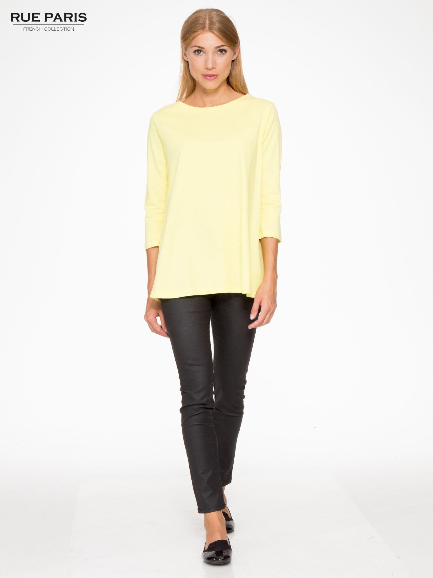 Żółta bluzka o rozkloszowanym kroju z rękawem 3/4                                  zdj.                                  2
