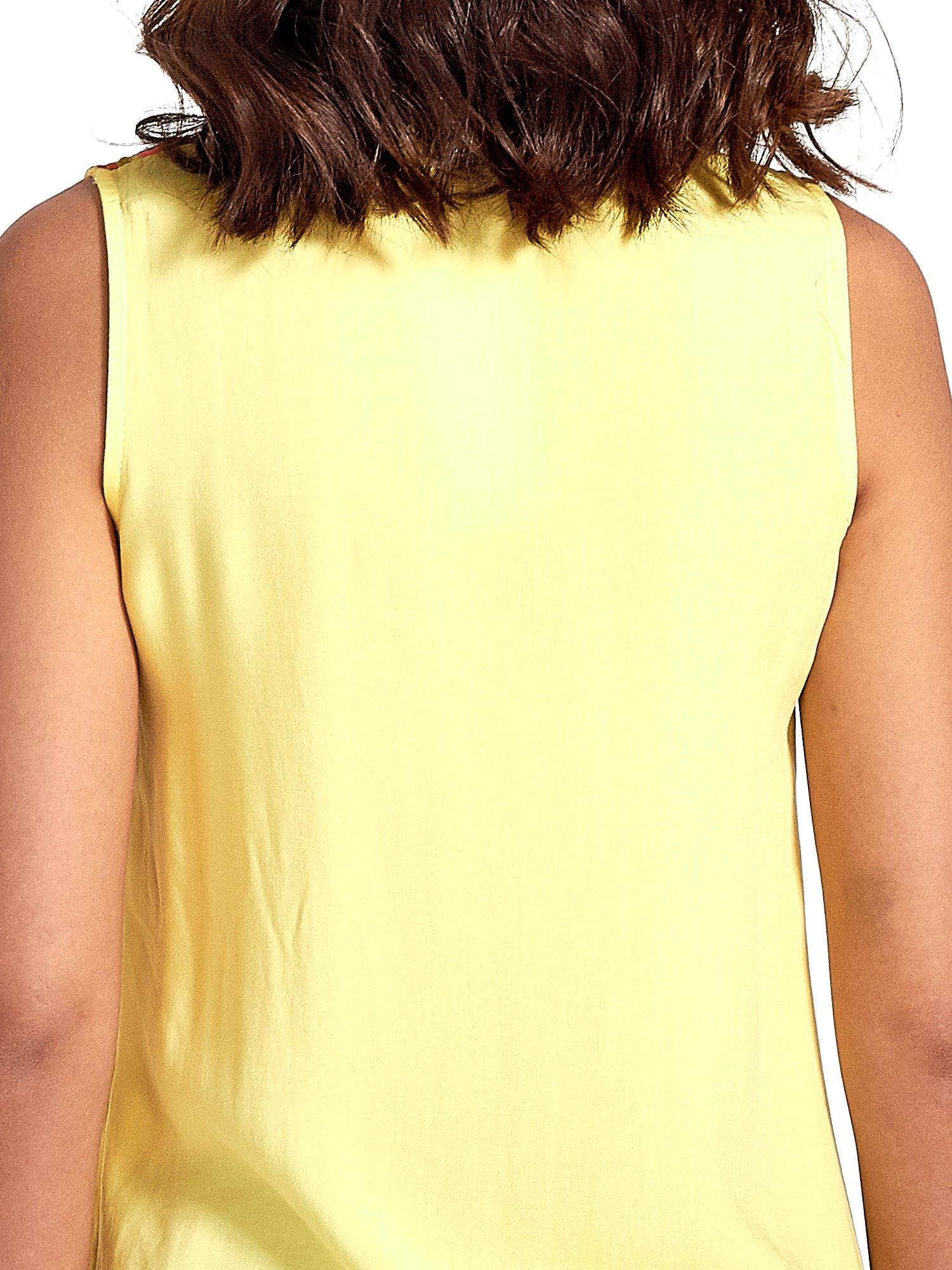 Żółta koszula bez rękawów z roślinnym haftem na górze                                  zdj.                                  6
