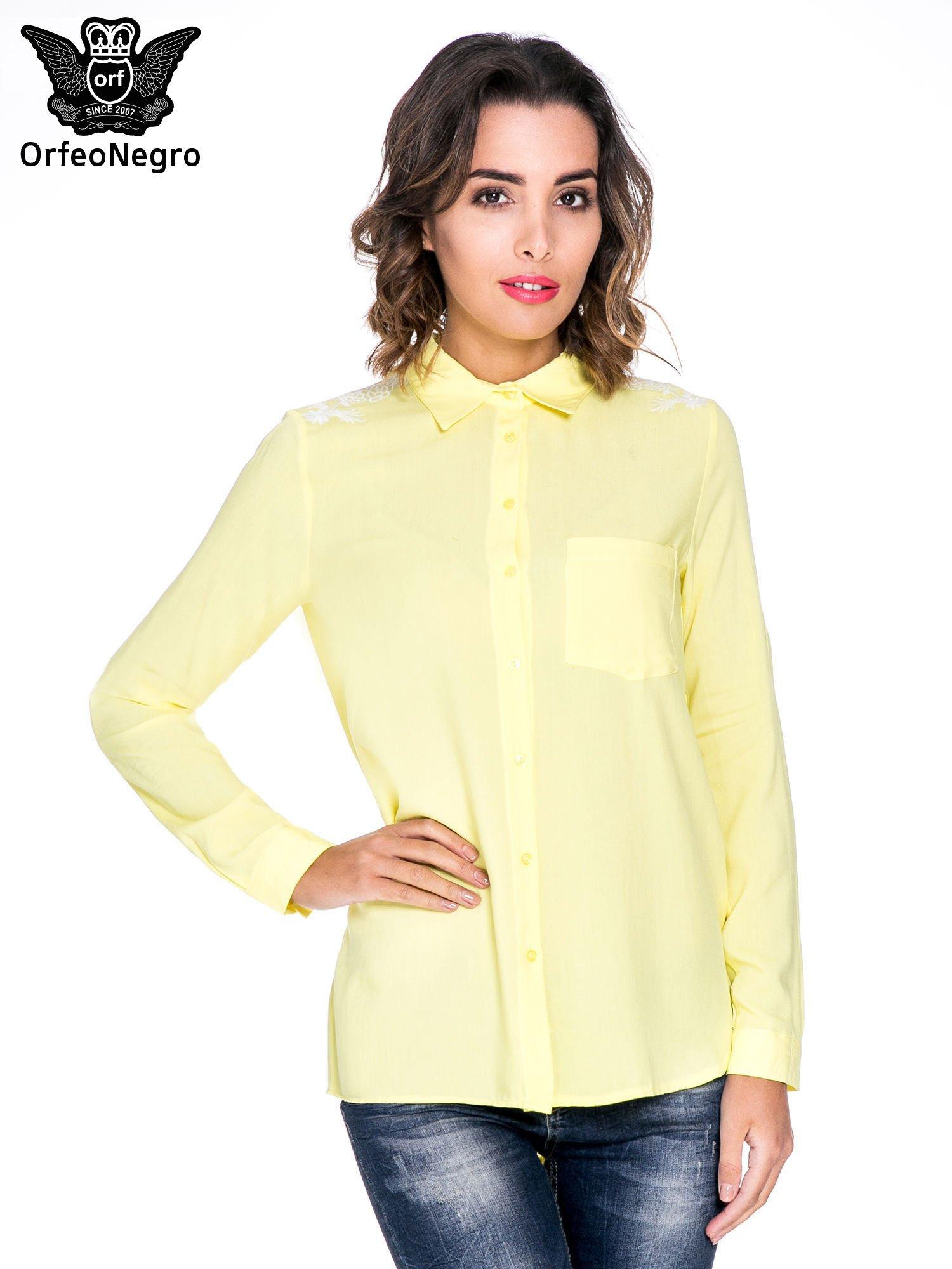 Żółta koszula z haftem na ramionach i plecach                                  zdj.                                  1