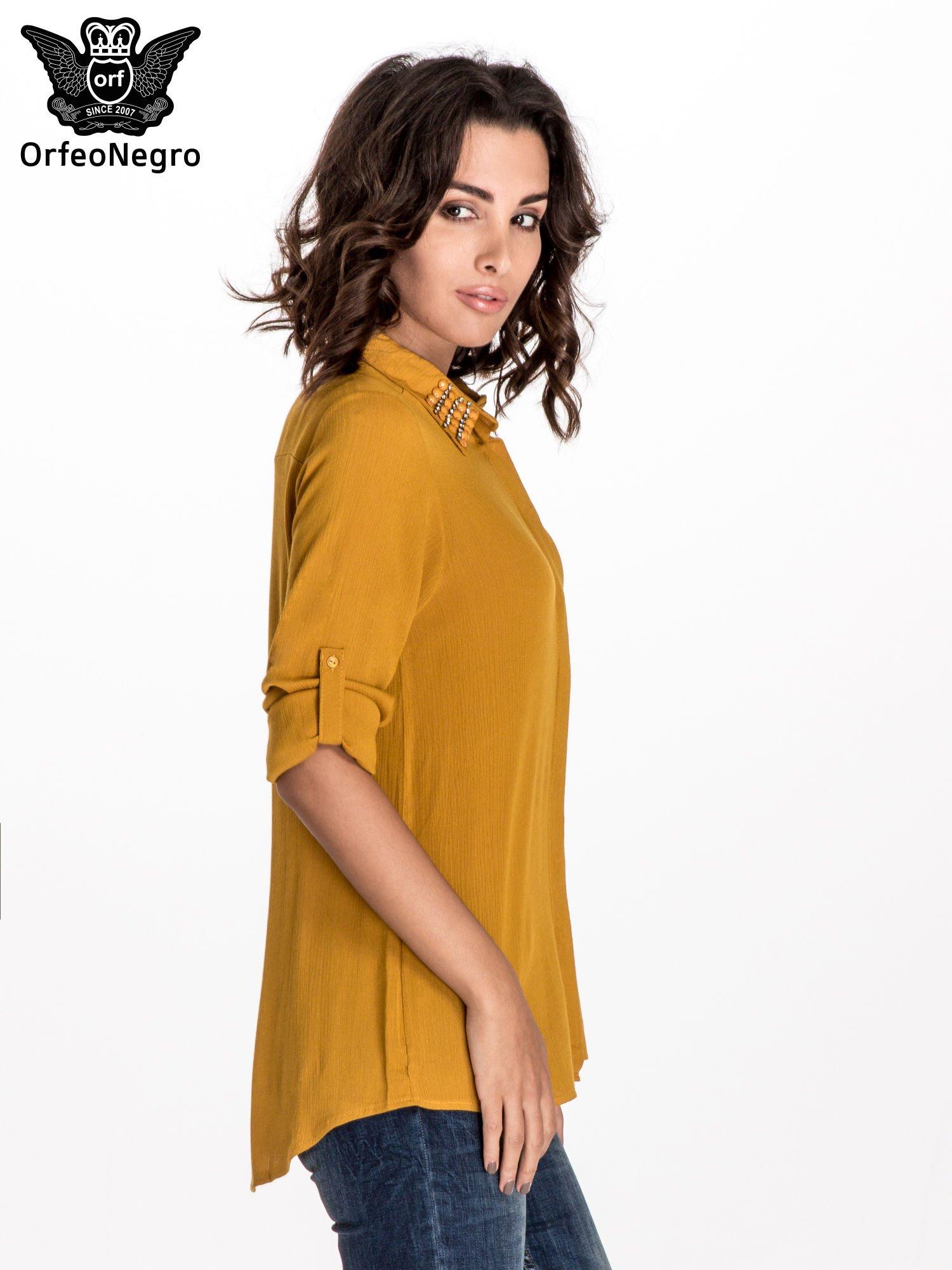 Żółta koszula z kołnierzykiem zdobionym kamieniami                                  zdj.                                  5